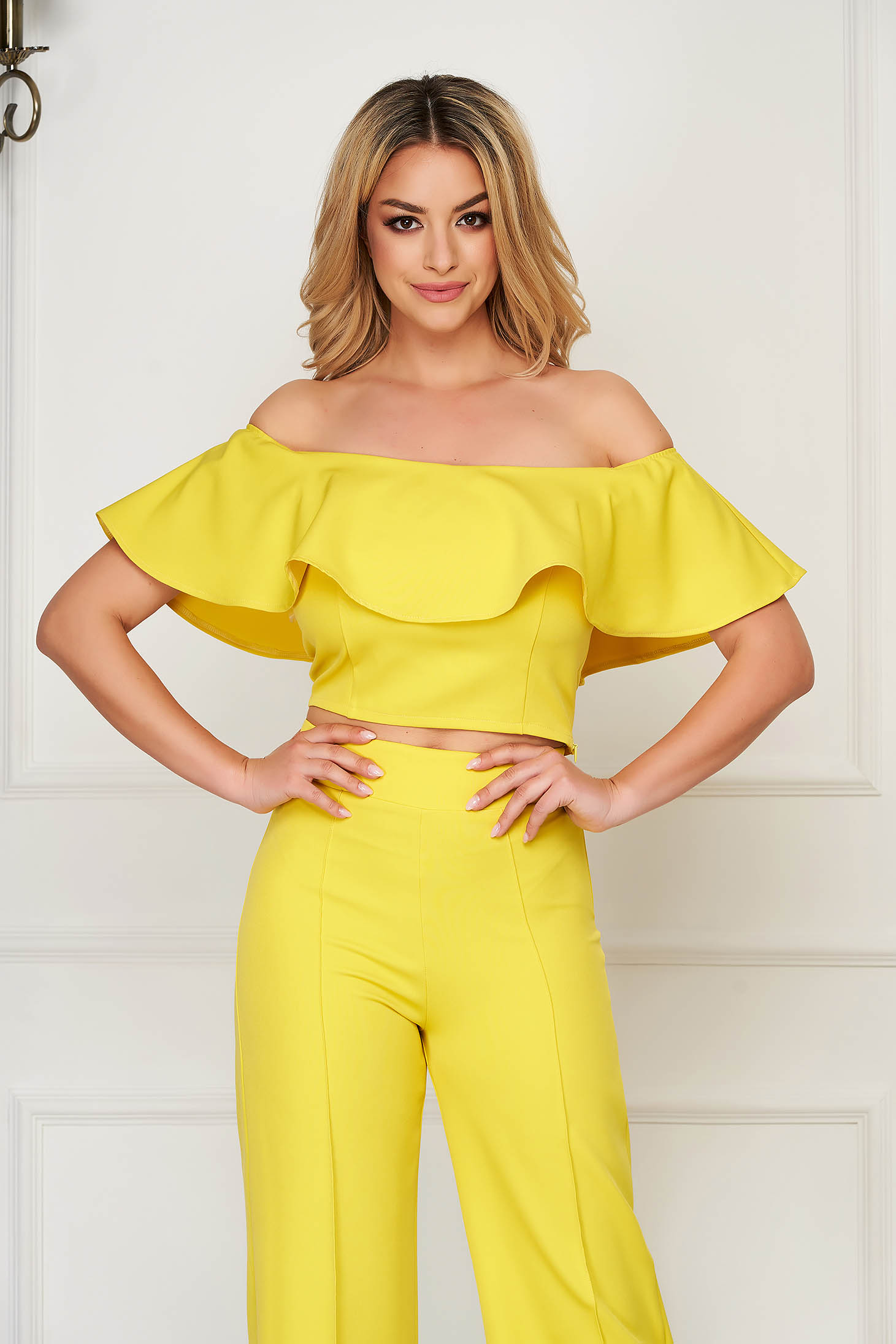 StarShinerS yellow top shirt elegant tented cloth short cut from elastic fabric naked shoulders