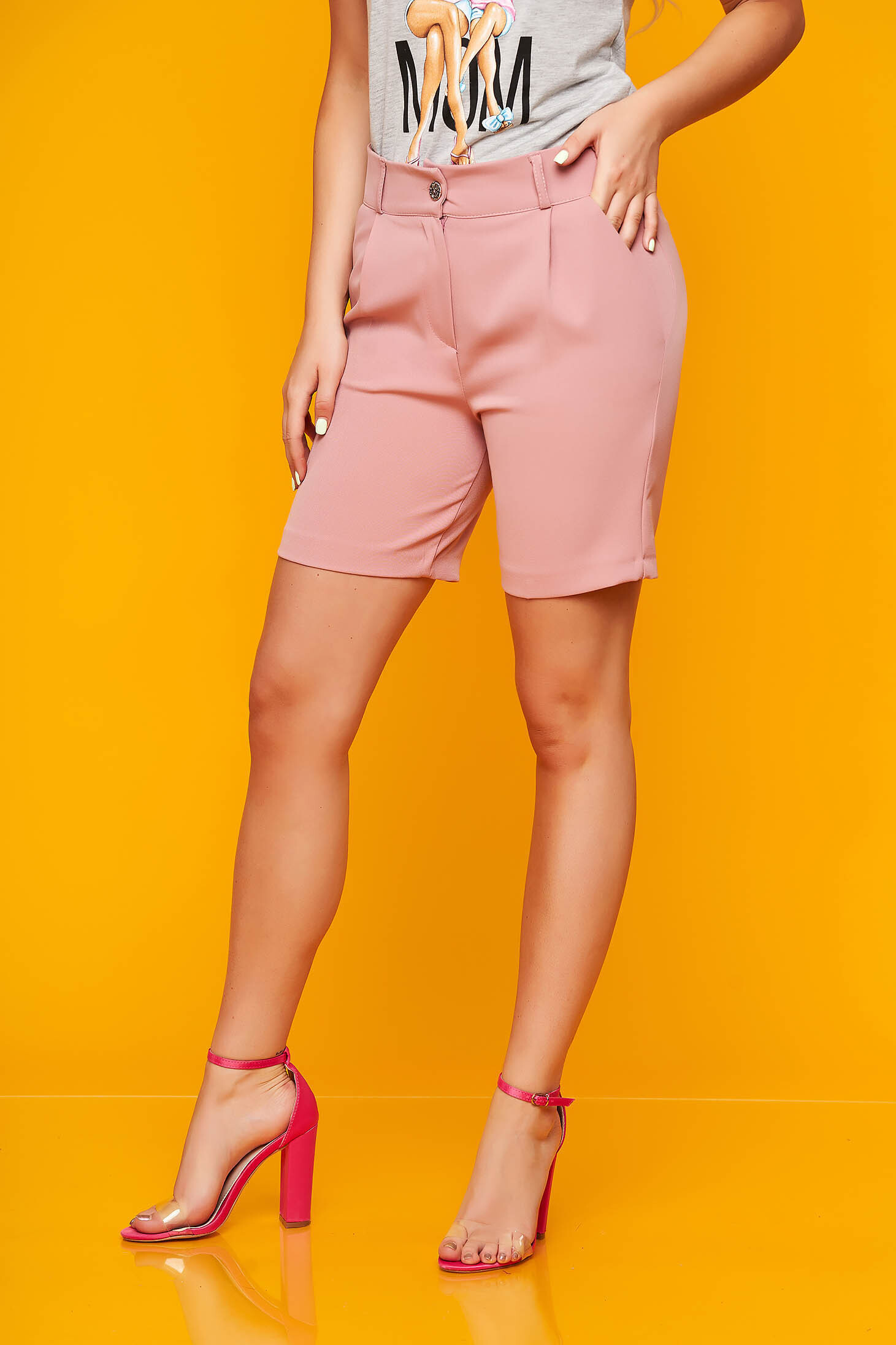 Lightpink short casual cloth from elastic fabric tented with pockets