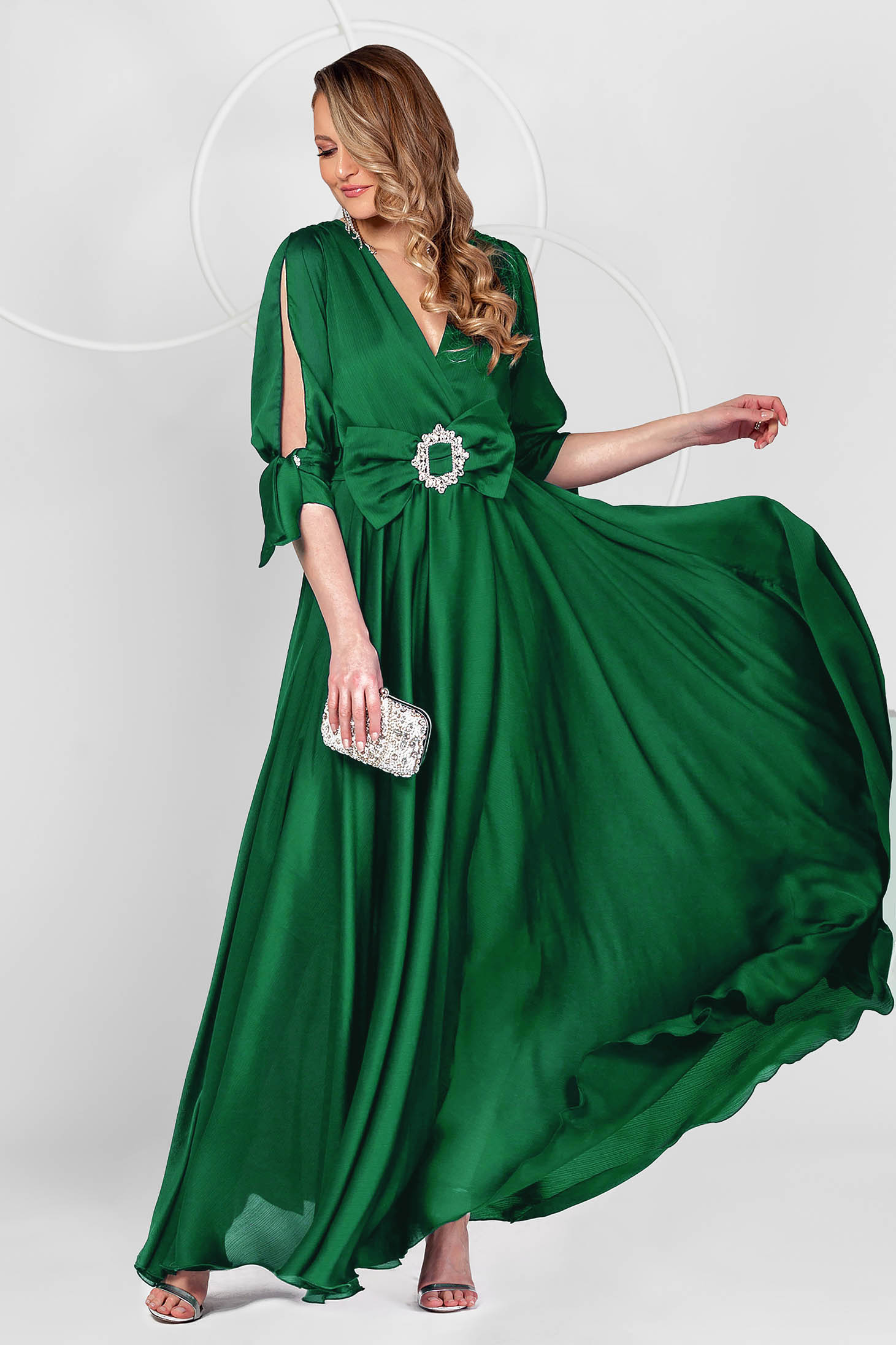 Dirty green dress long occasional from veil fabric cloche with elastic waist with cut-out sleeves