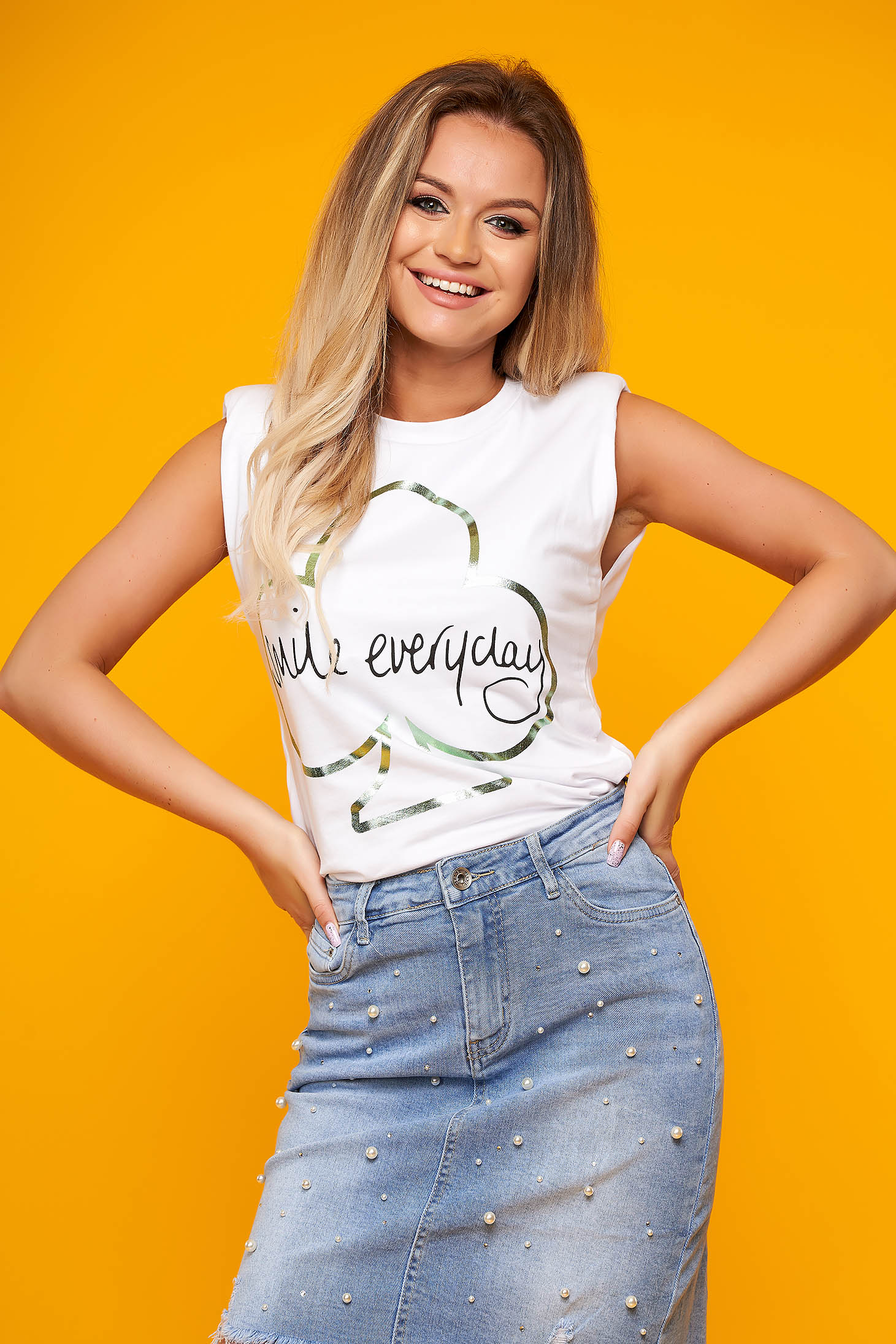 White t-shirt casual cotton flared with padded shoulders