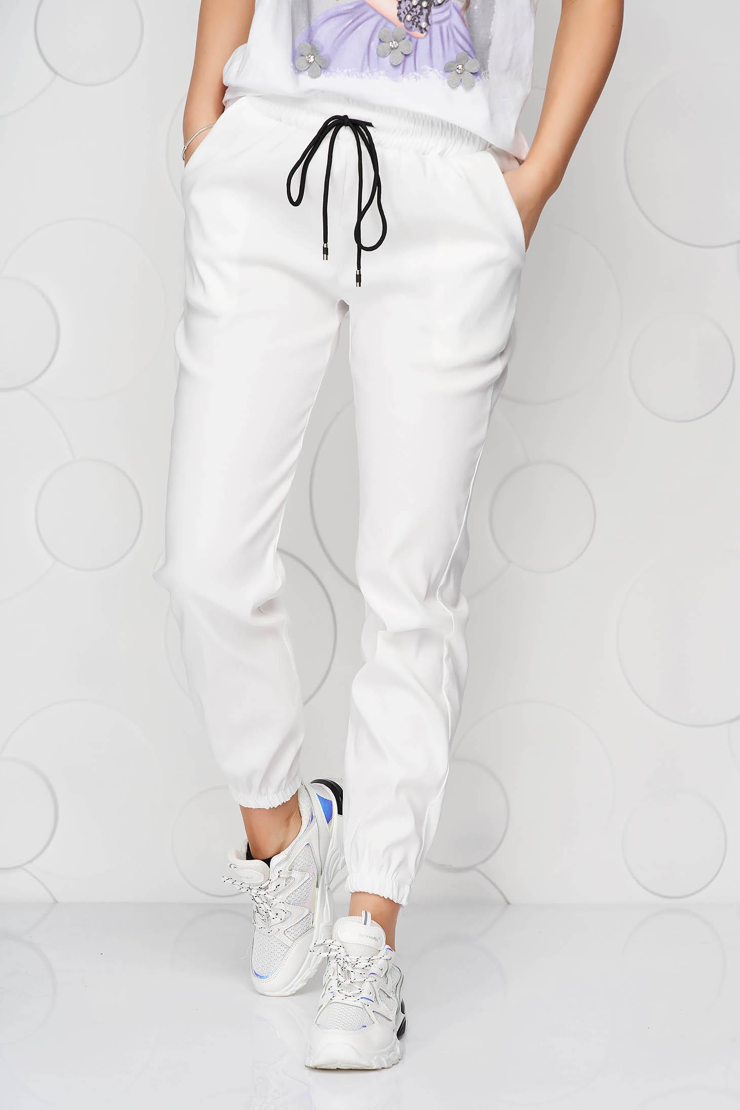 Pantaloni SunShine albi casual din material subtire cu buzunare cu talie medie