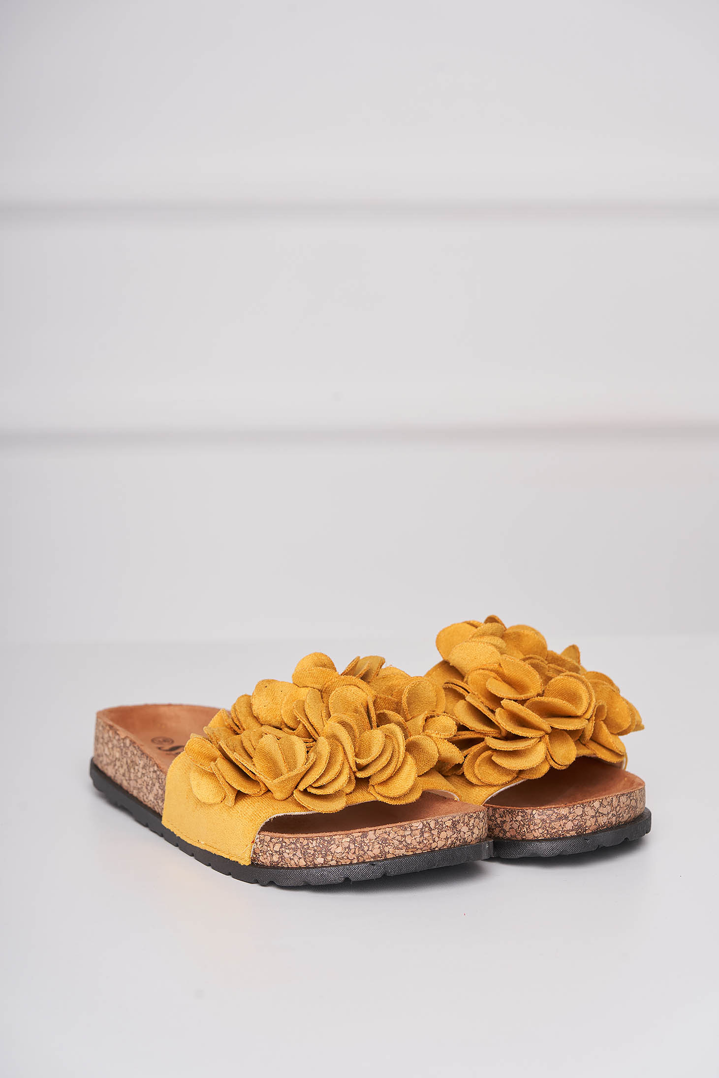 Mustard slippers casual from velvet fabric low heel