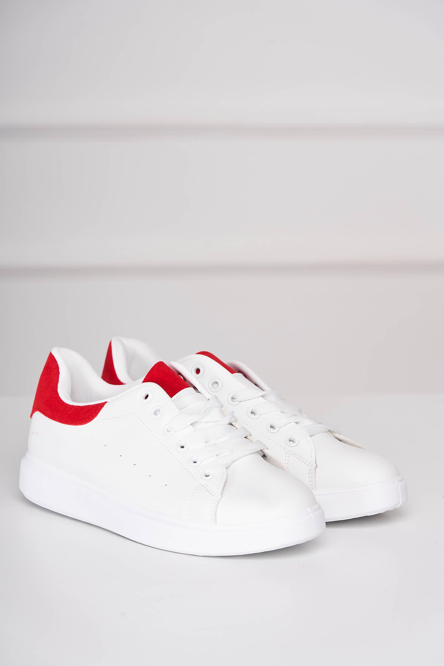 Pantofi sport albi casual cu siret din piele ecologica cu detaliu rosu
