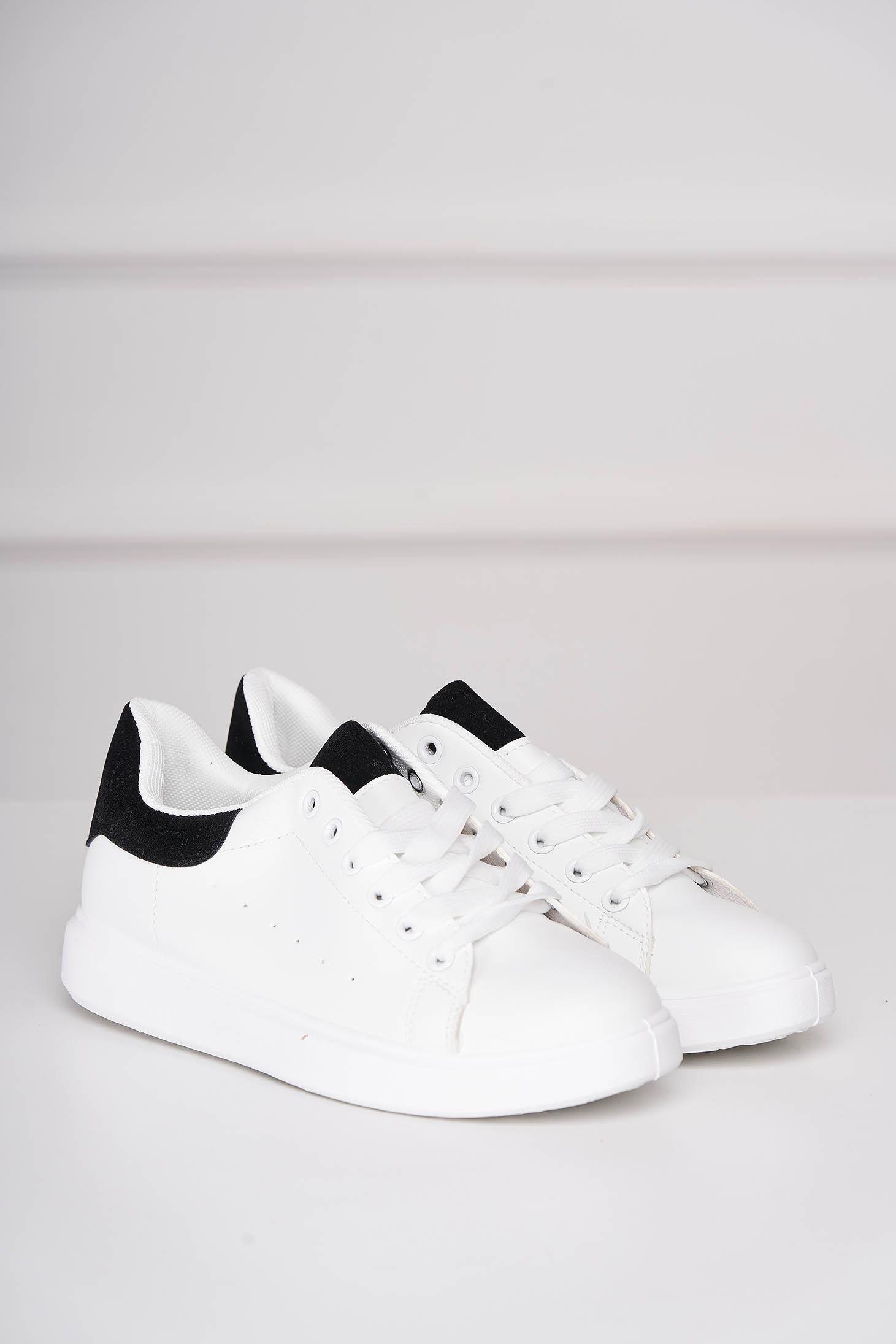 Pantofi sport albi casual cu siret din piele ecologica cu detaliu negru