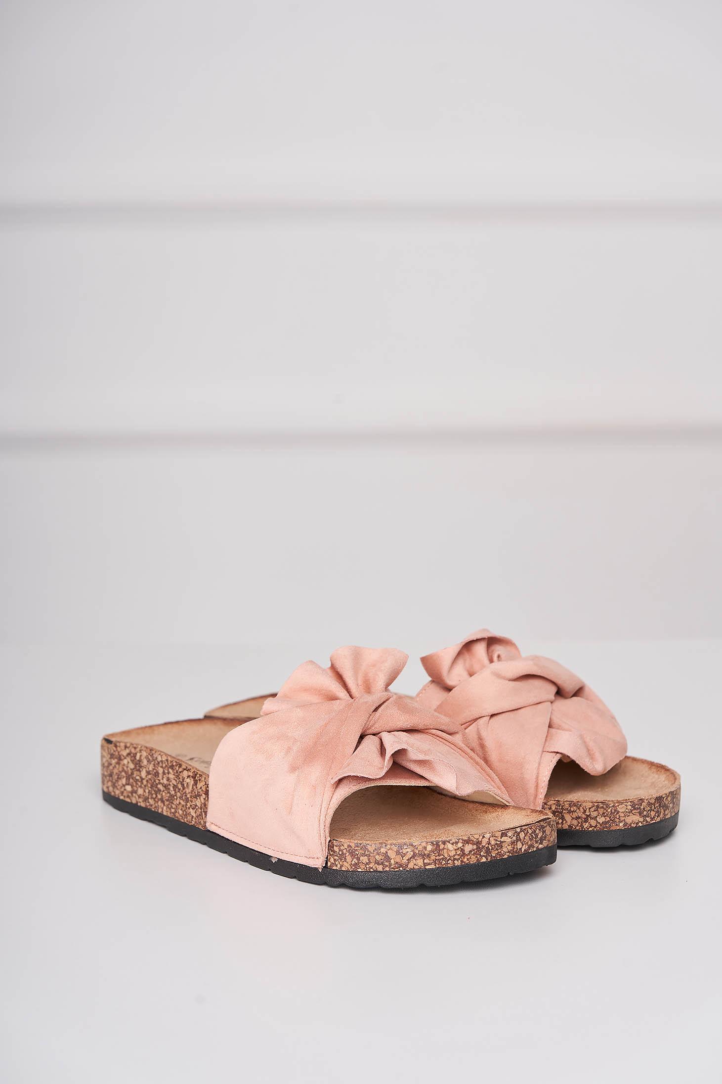 Papuci roz casual din material catifelat cu talpa joasa