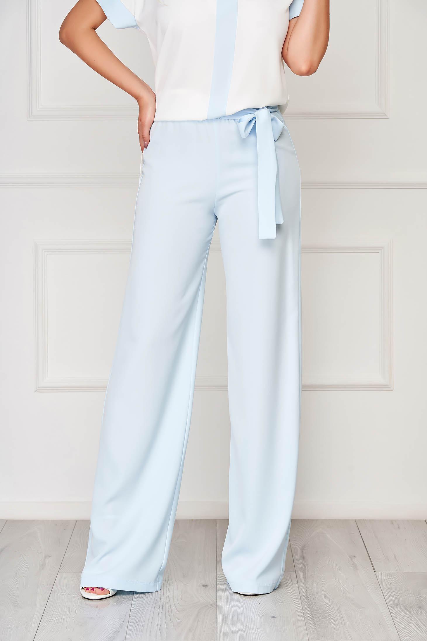 Pantaloni StarShinerS albastri deschis eleganti evazati cu talie inalta din stofa usor elastica accesorizati cu cordon