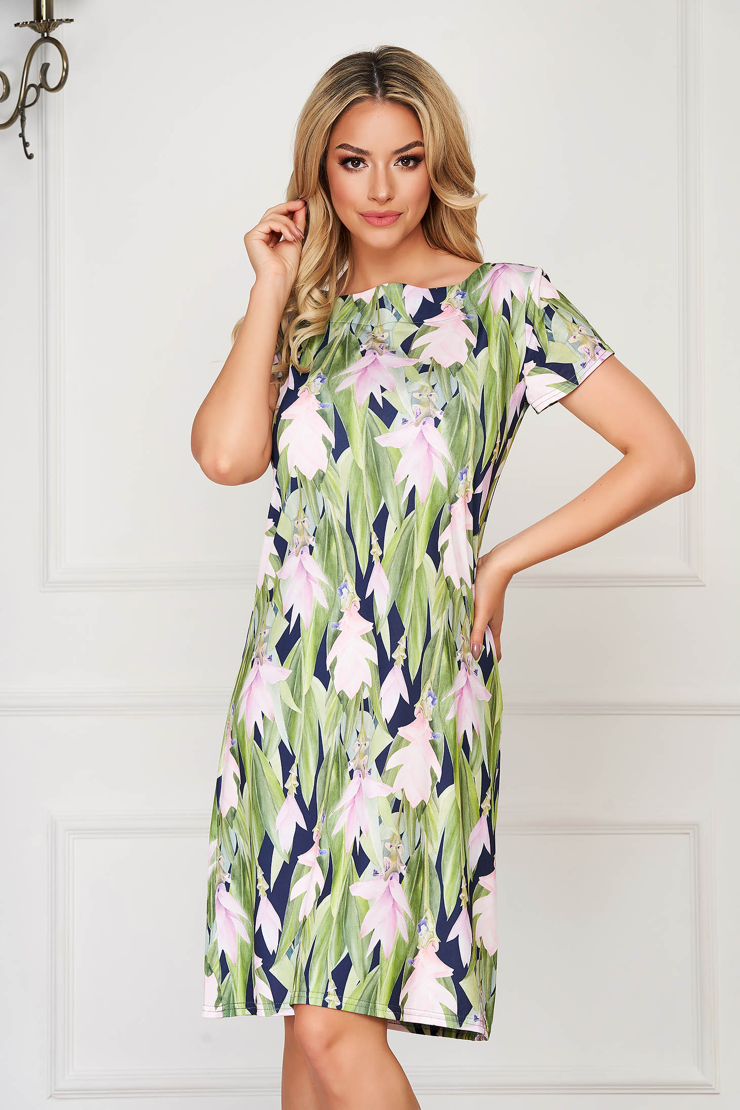 StarShinerS green dress short cut daily lycra with tented cut short sleeves