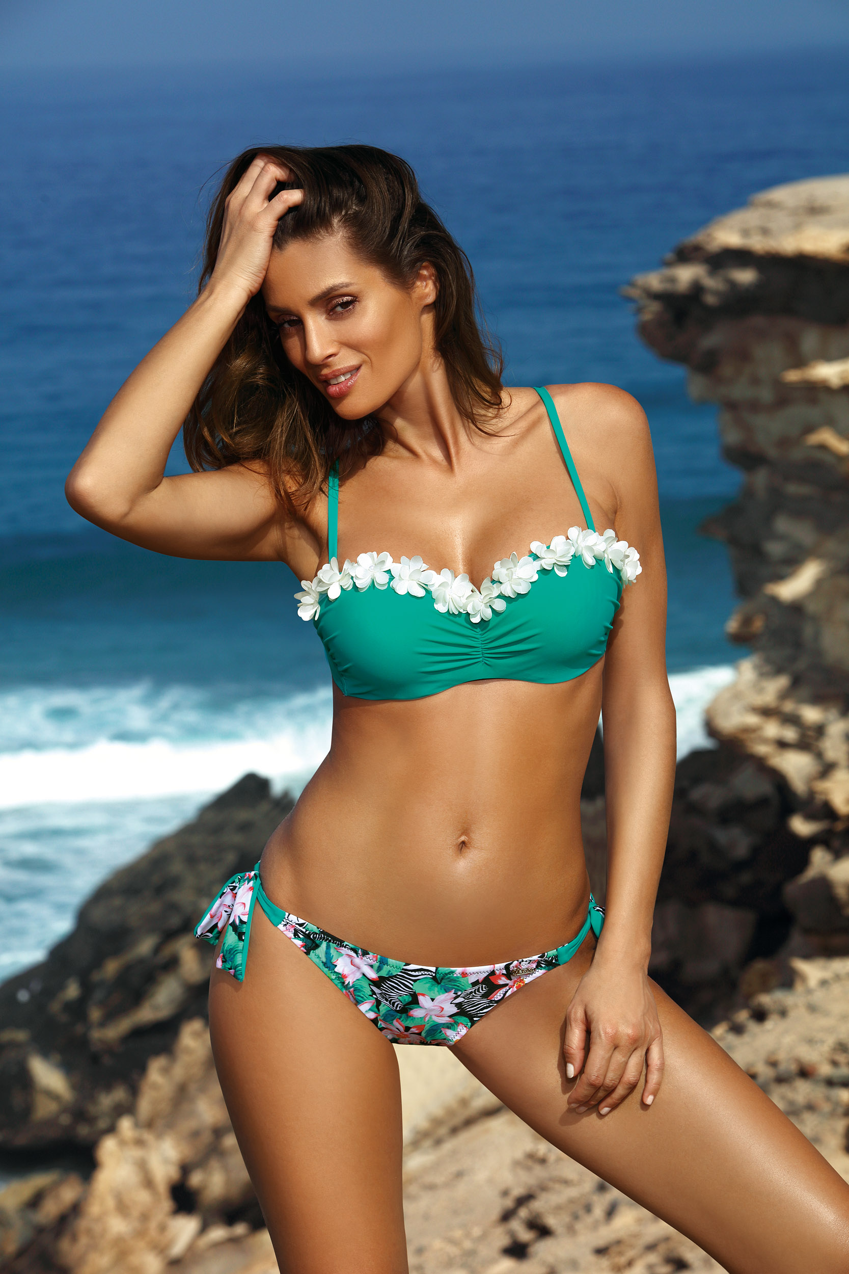 Green swimsuit 2 pieces with balconette bra with floral details brazilian bikinis