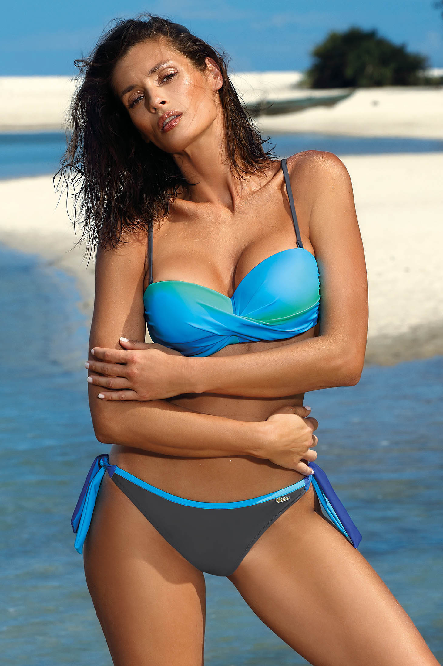 Turquoise swimsuit from two pieces with balconette bra push-up effect with classic bottoms