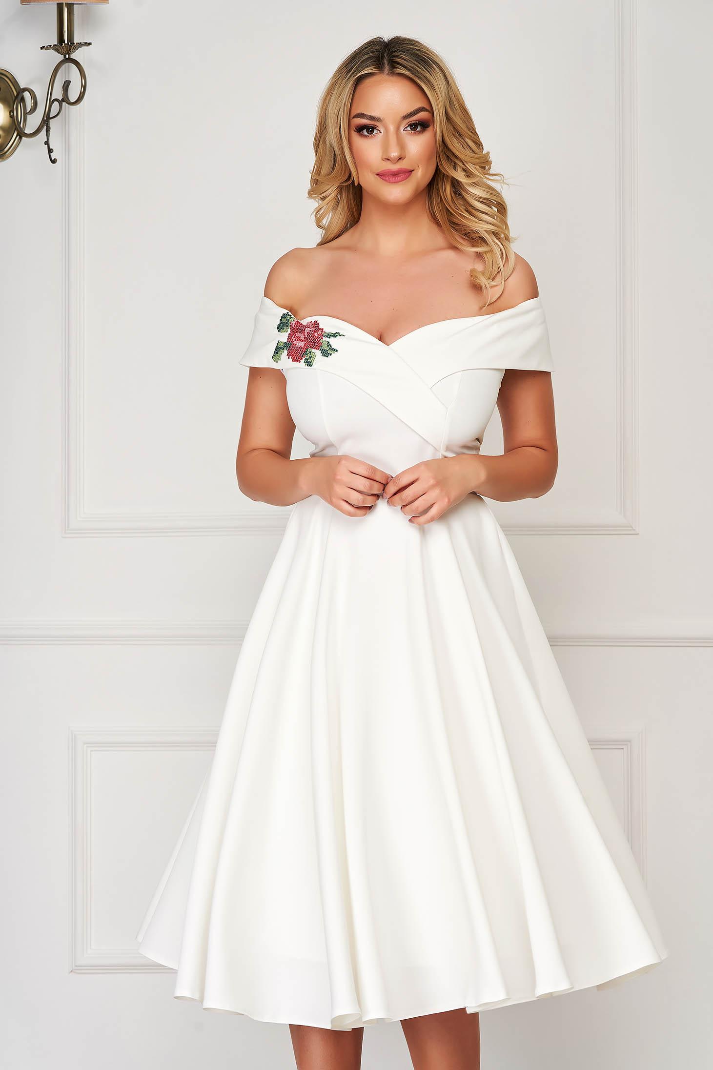 StarShinerS fehér elegáns midi harang ruha szövetből váll nélküli fazon