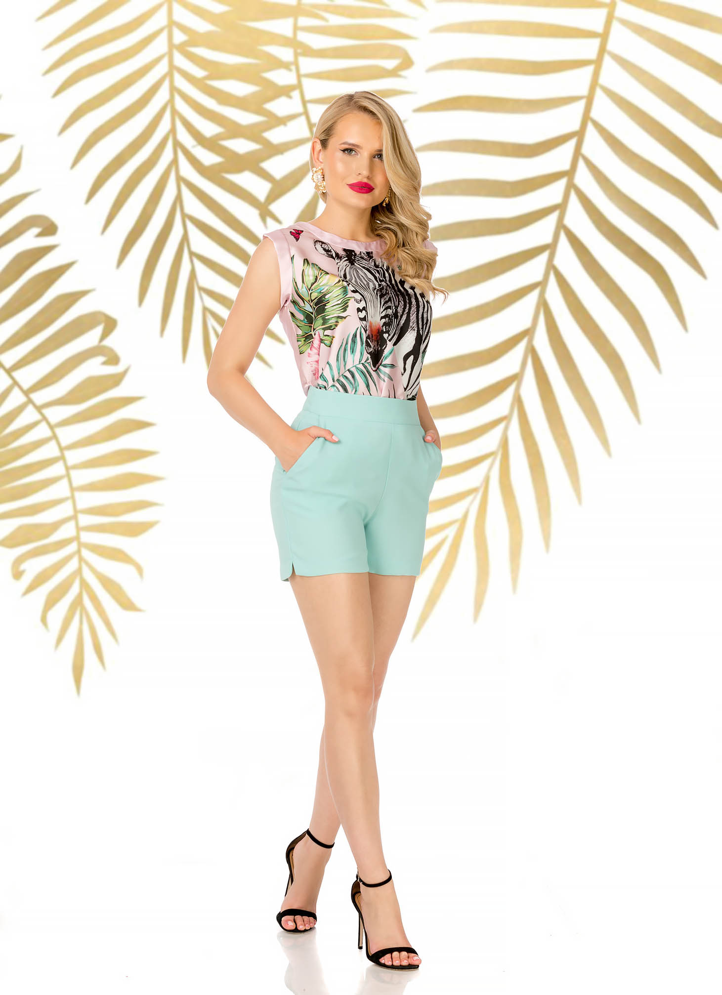 Mint short elegant high waisted with tented cut with pockets