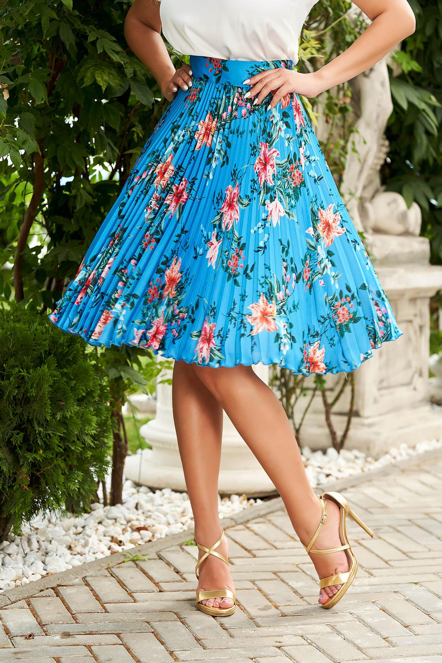 Skirt blue elegant midi flaring cut high waisted from veil fabric