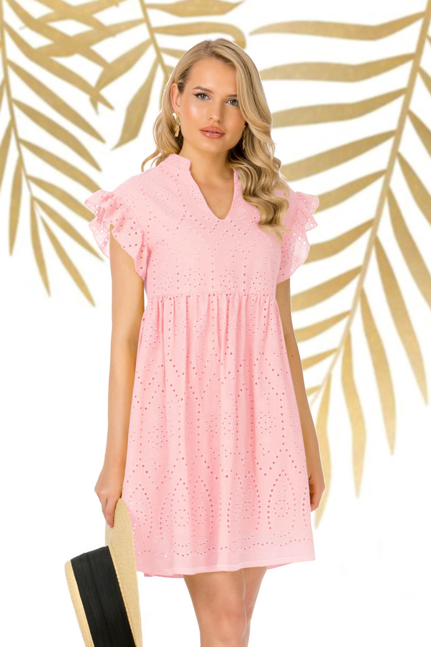 Rochie PrettyGirl roz prafuit scurta de zi ghipură cu volanase la maneca cu croi larg