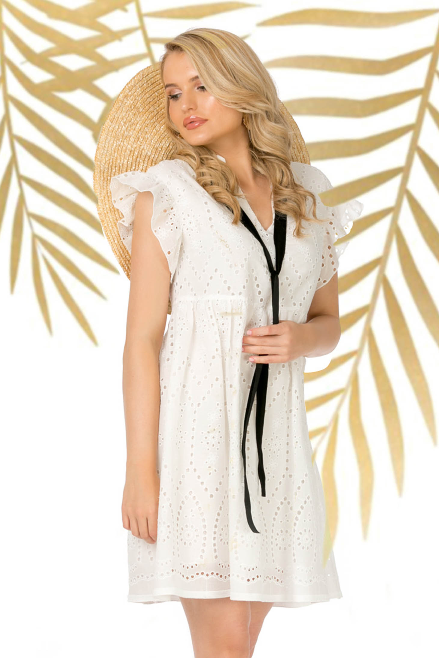 White dress short cut daily guipure with ruffled sleeves flared