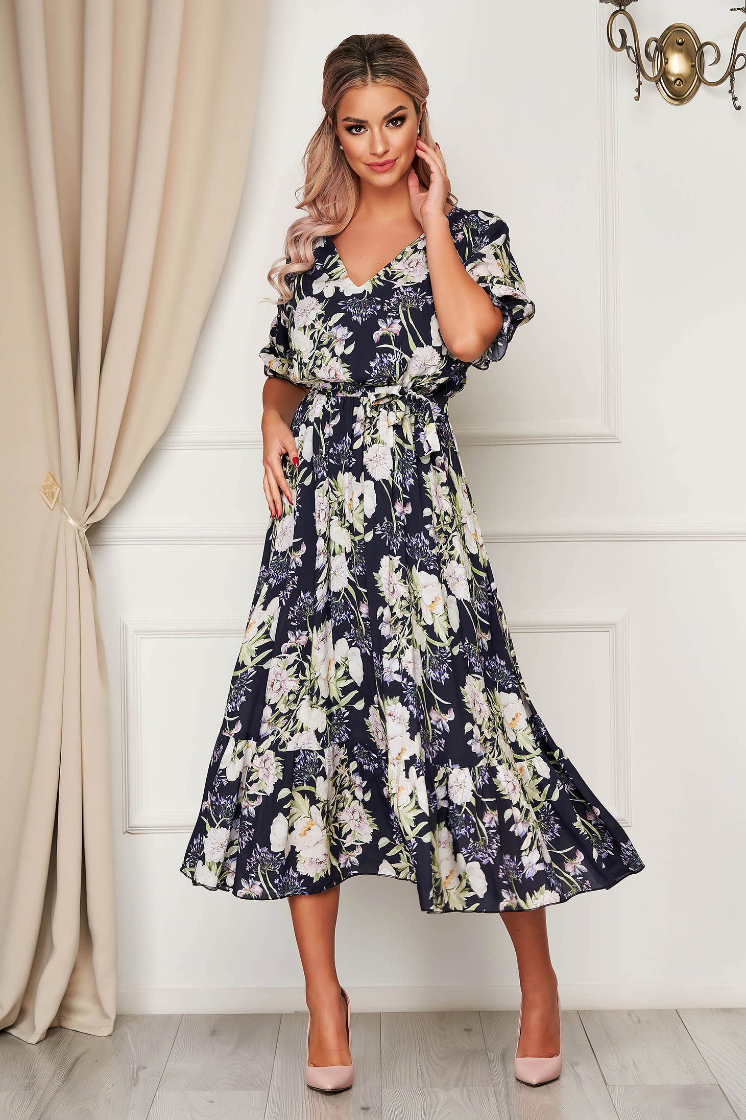 Rochie albastru-inchis de zi midi clos cu elastic in talie accesorizata cu cordon cu volanase la baza rochiei