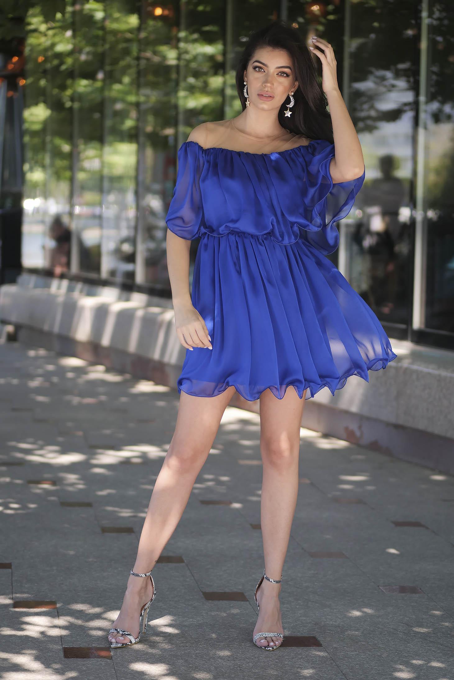 Rochie Artista albastra scurta de ocazie in clos din material subtire cu umeri goi