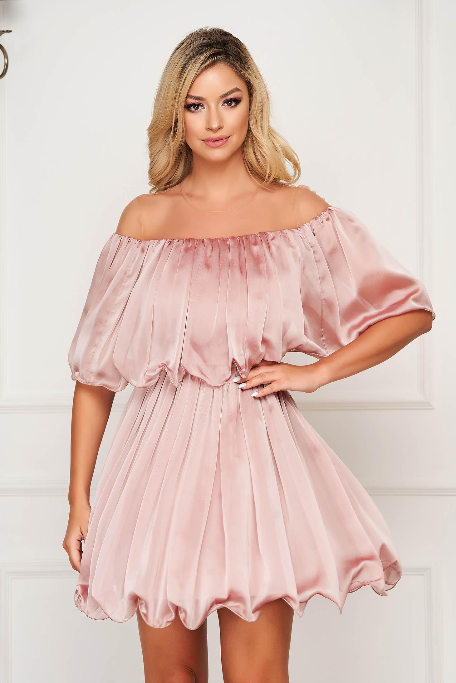Lightpink dress short cut cloche off-shoulder occasional thin fabric