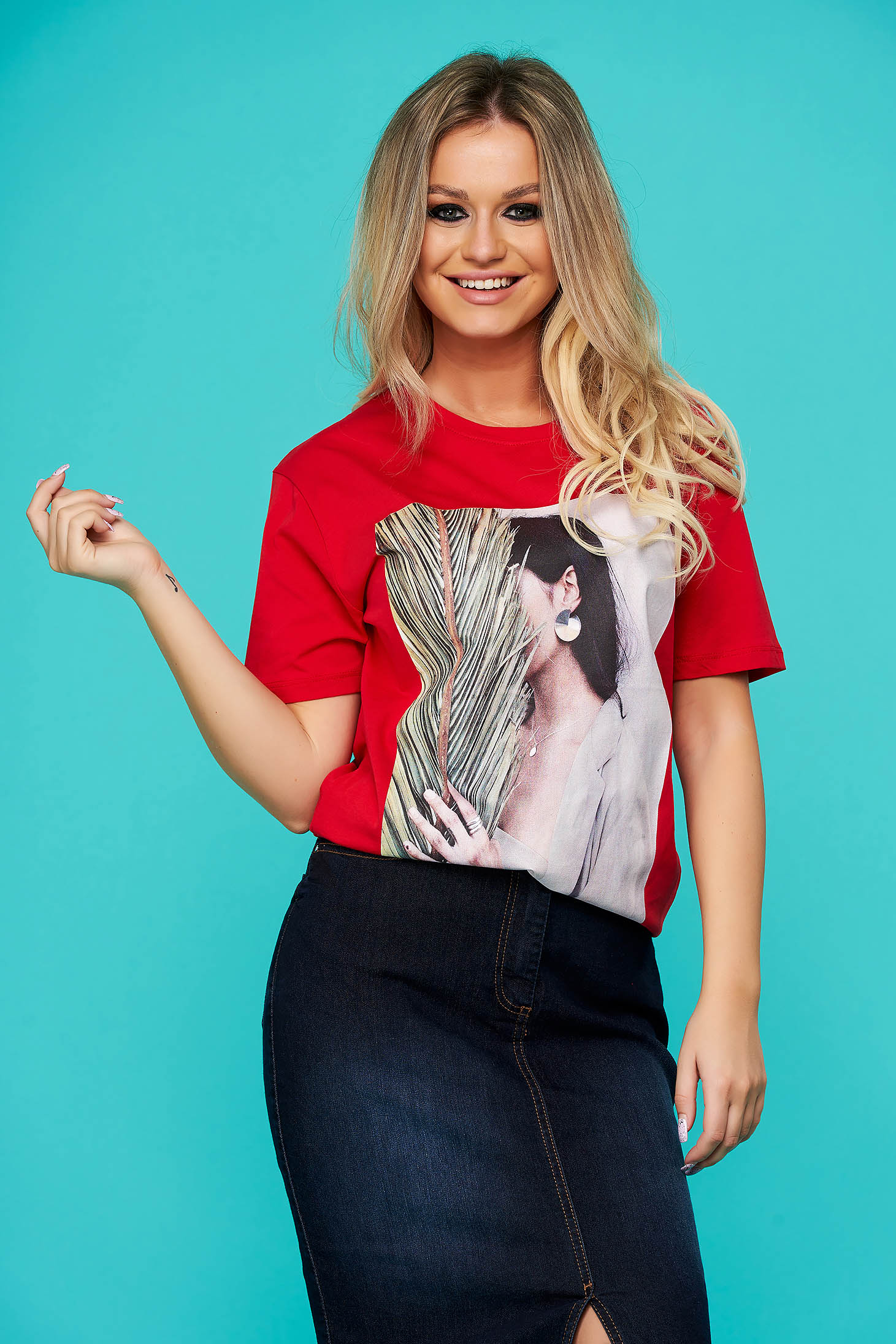 Red t-shirt casual long cotton flared