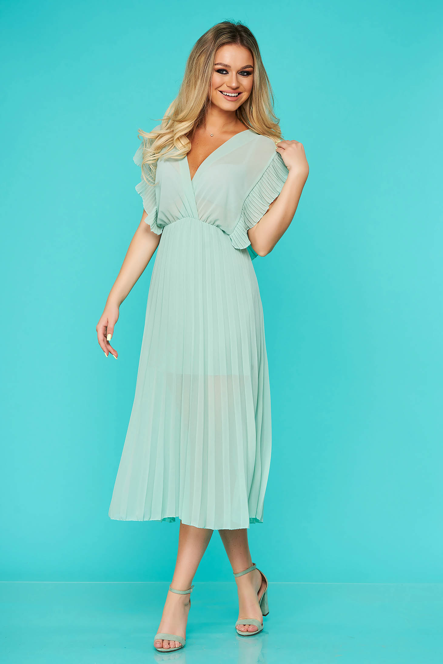 StarShinerS mint dress elegant midi with v-neckline with elastic waist folded up from veil fabric