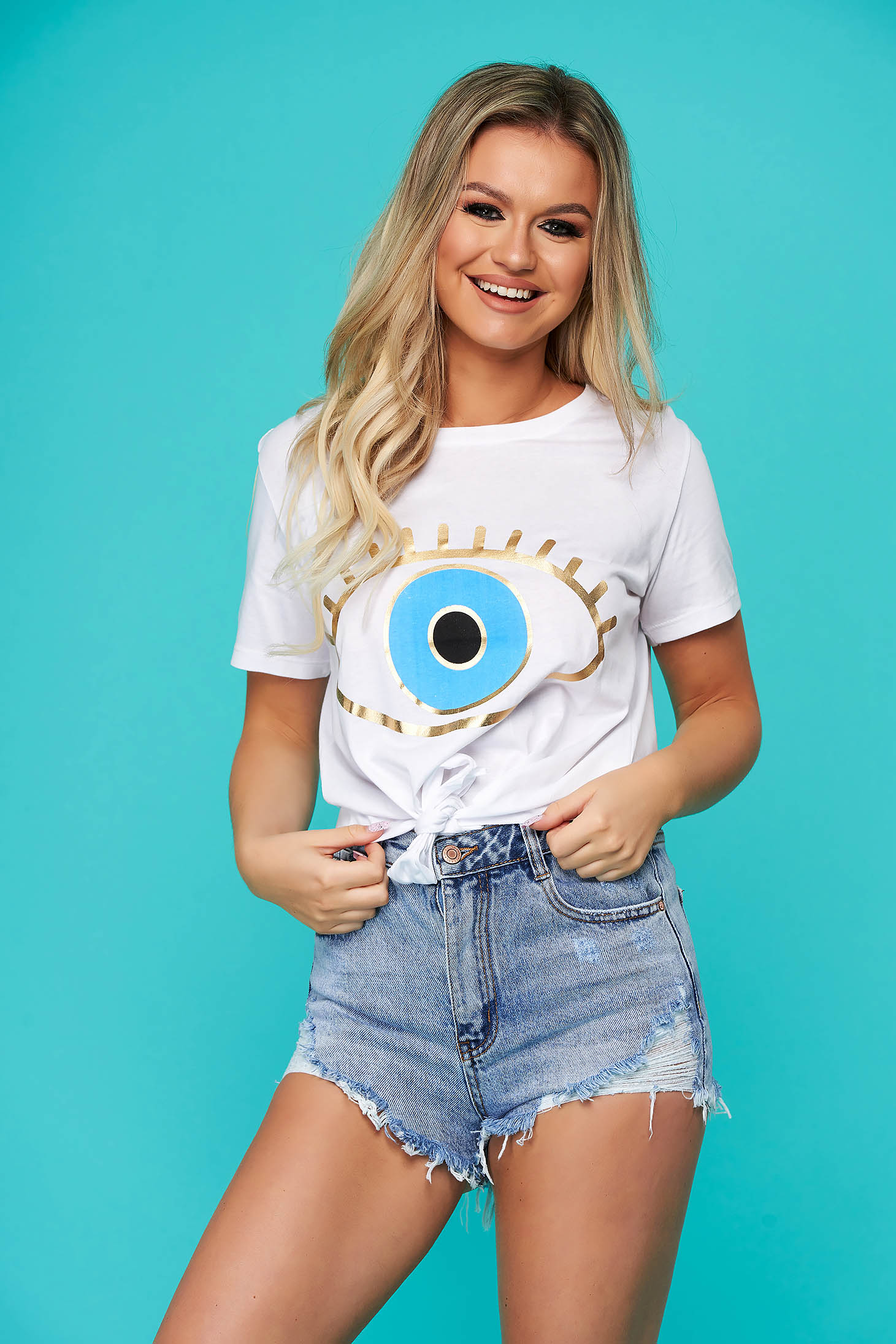 White t-shirt casual flared with graphic details