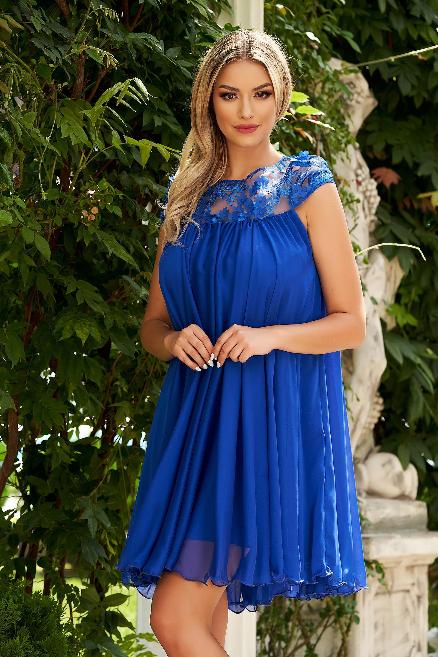 Rochie albastra de ocazie scurta din material usor transparent