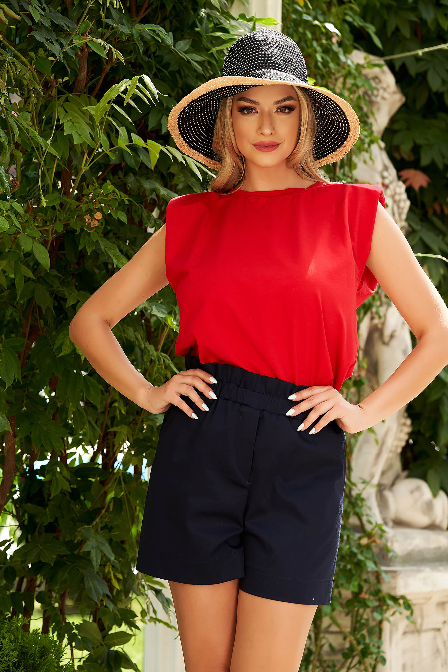 Red top shirt with easy cut with padded shoulders thin fabric