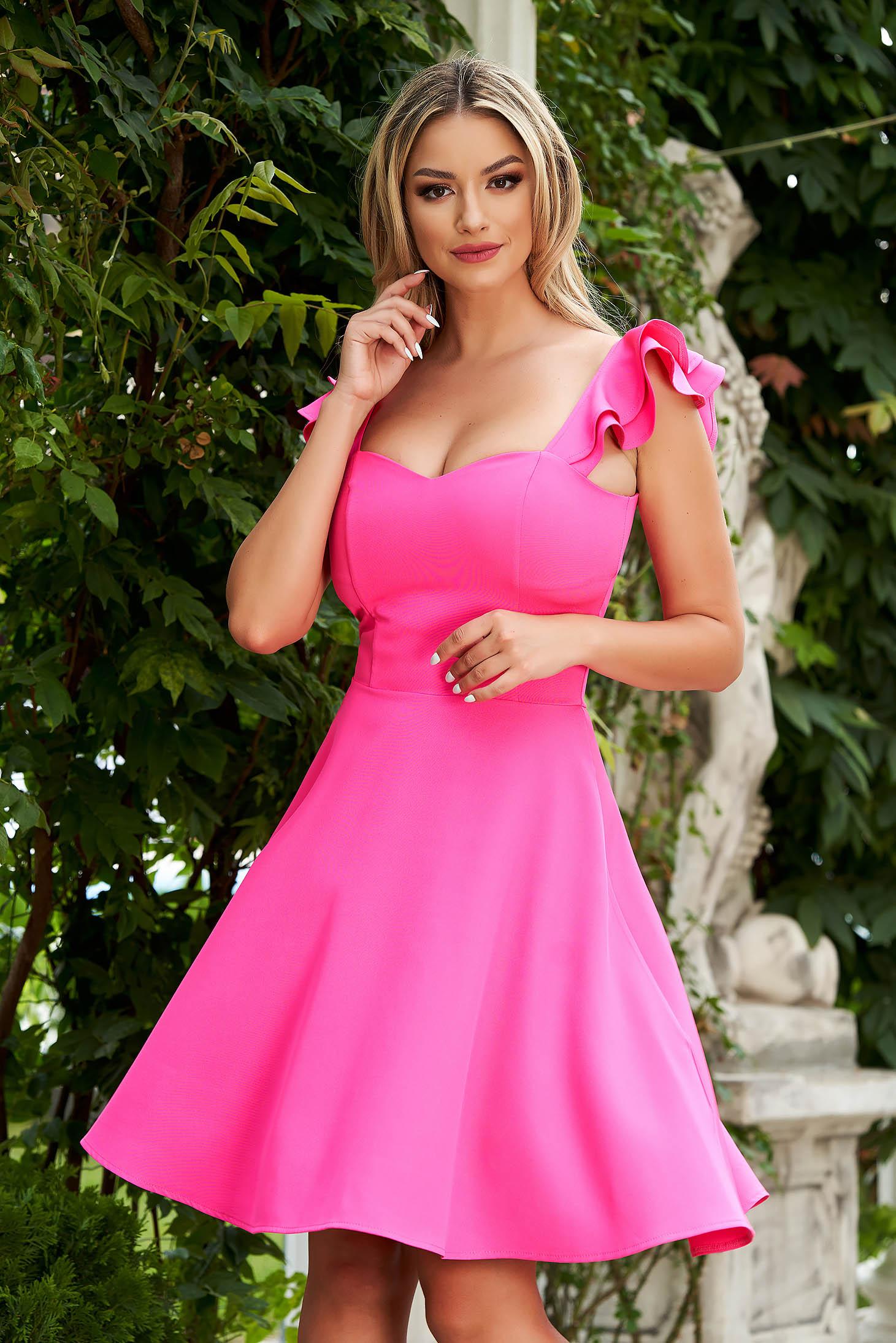 Rochie StarShinerS roz eleganta scurta din stofa subtire cu volanase