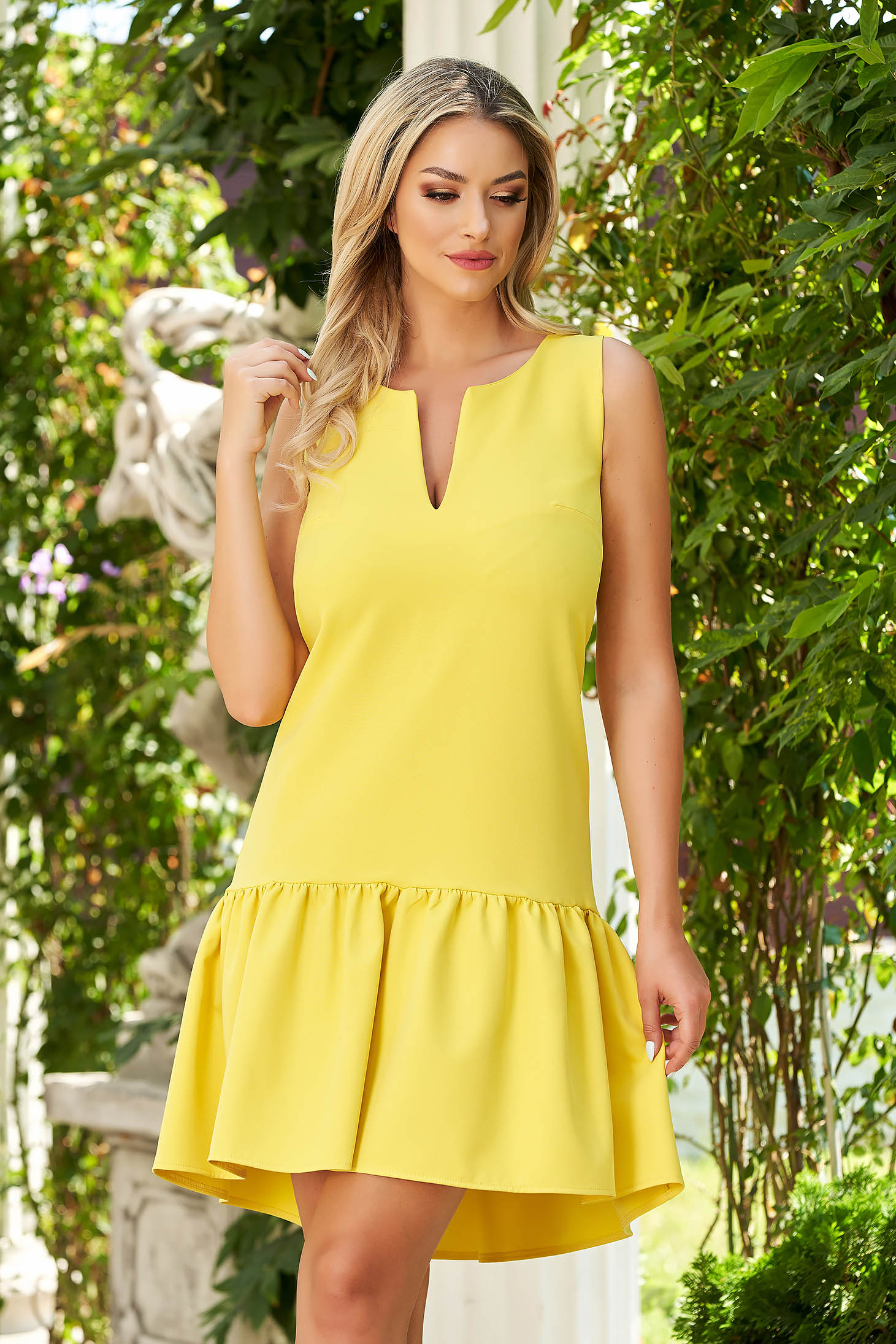 Dress StarShinerS yellow daily cloth flared with ruffles at the buttom of the dress midi