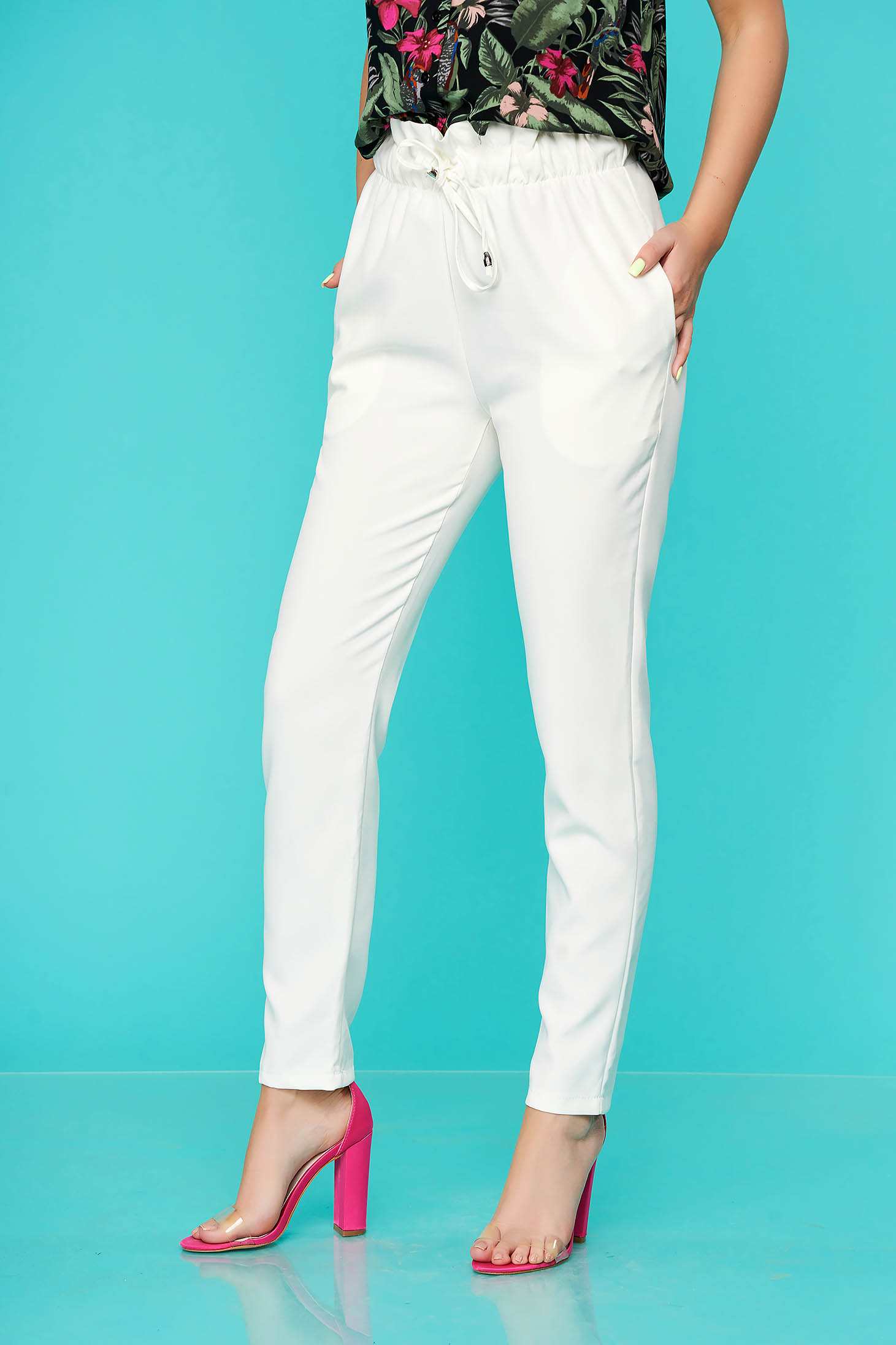Pantaloni SunShine albi casual din material subtire cu elastic in talie si buzunare