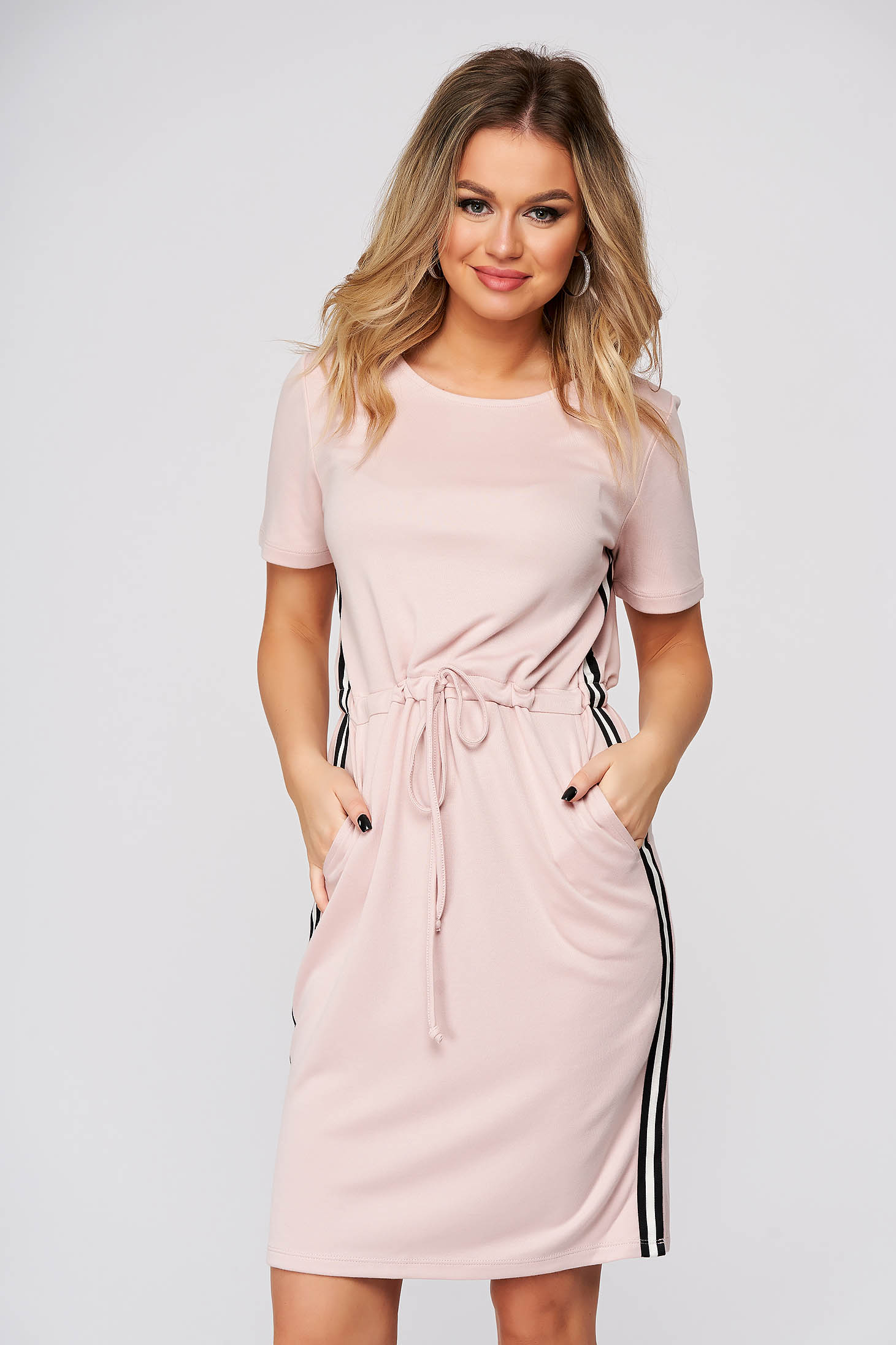 Lightpink dress midi daily straight is fastened around the waist with a ribbon