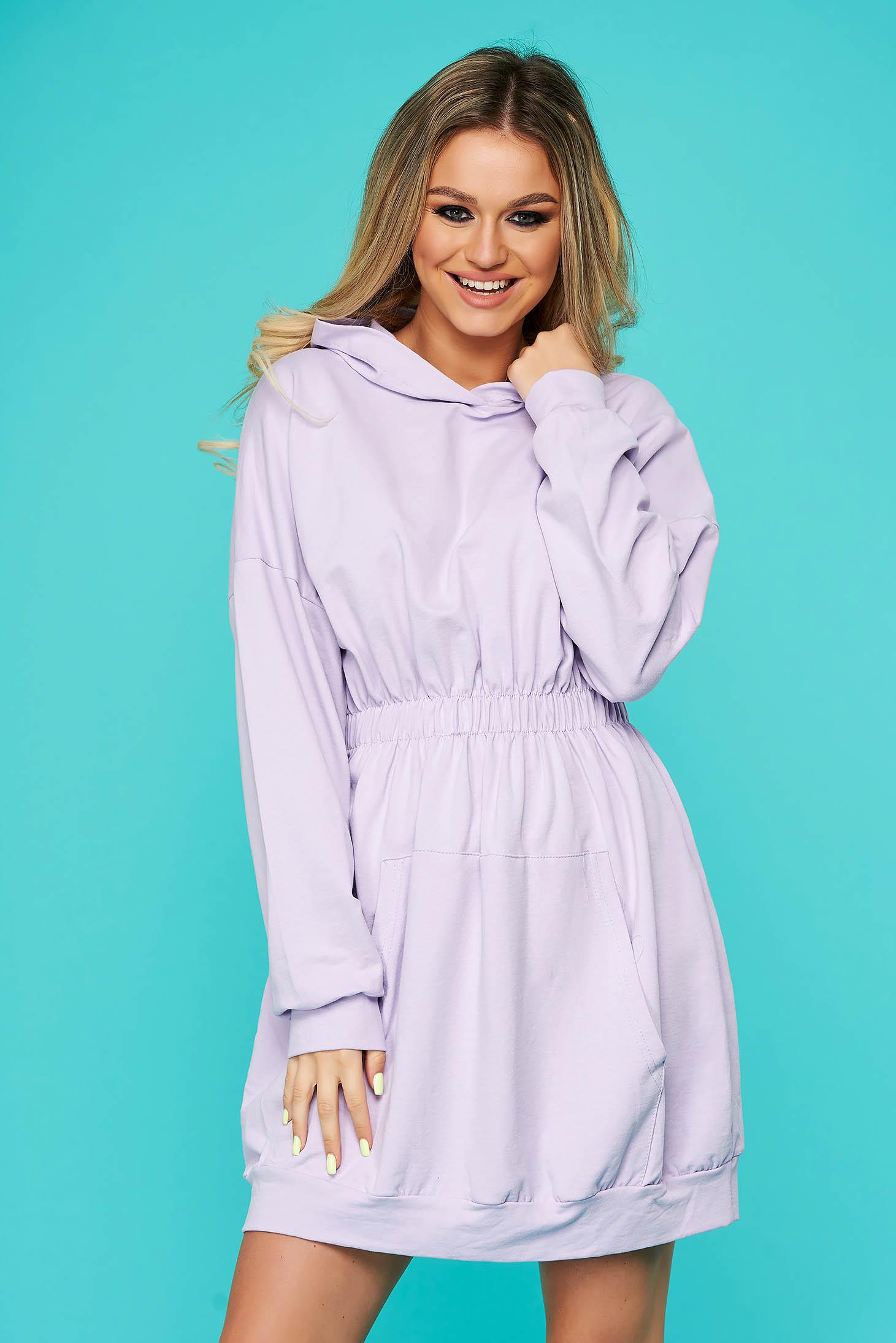 Lila fix kapucnis zsebes rövid casual ruha pamutból készült