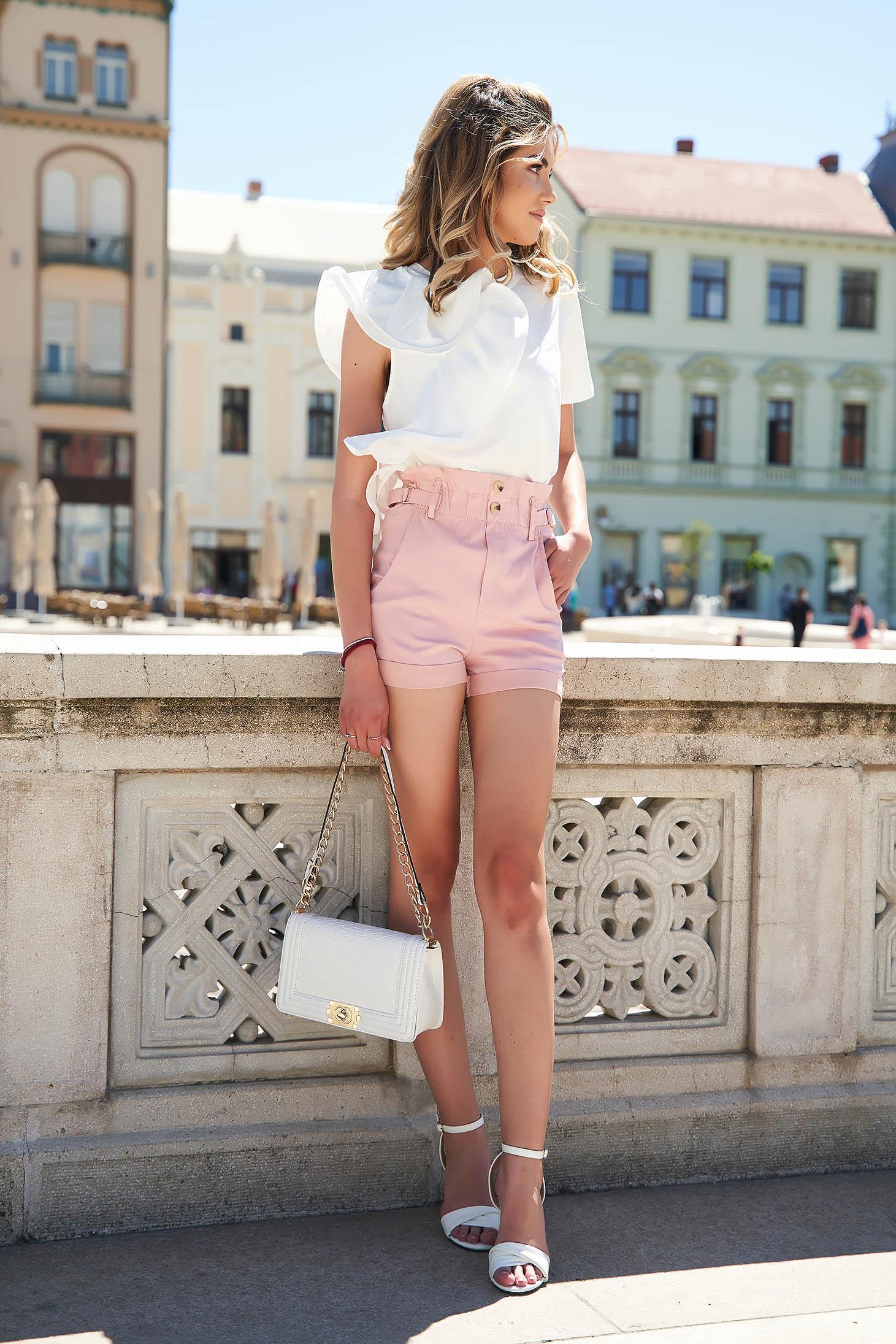 Púder rózsaszínű magas derekú szűk szabású zsebes casual rövidnadrág
