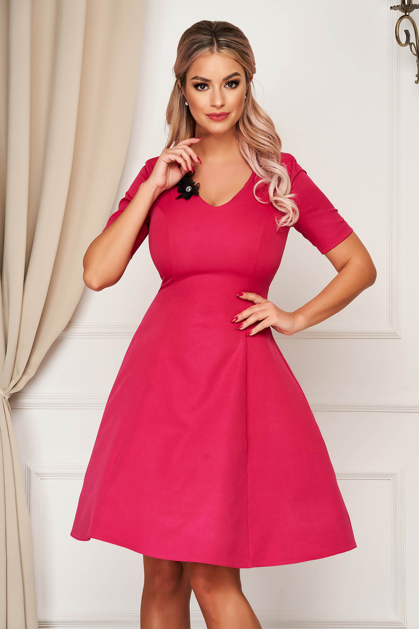 StarShinerS pink dress elegant midi cloche with v-neckline slightly elastic fabric with floral details