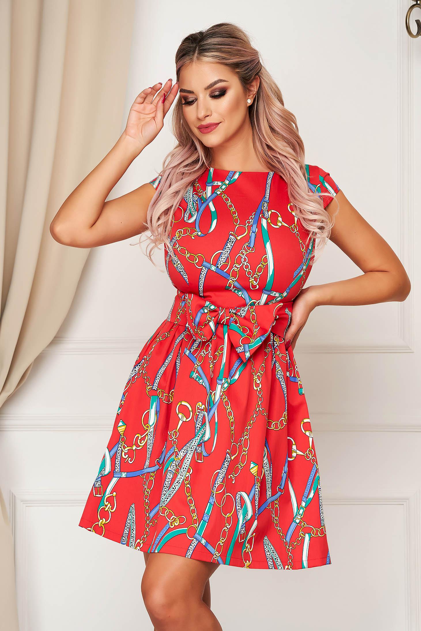 Piros elegáns harang ruha enyhén elasztikus pamut övvel ellátva