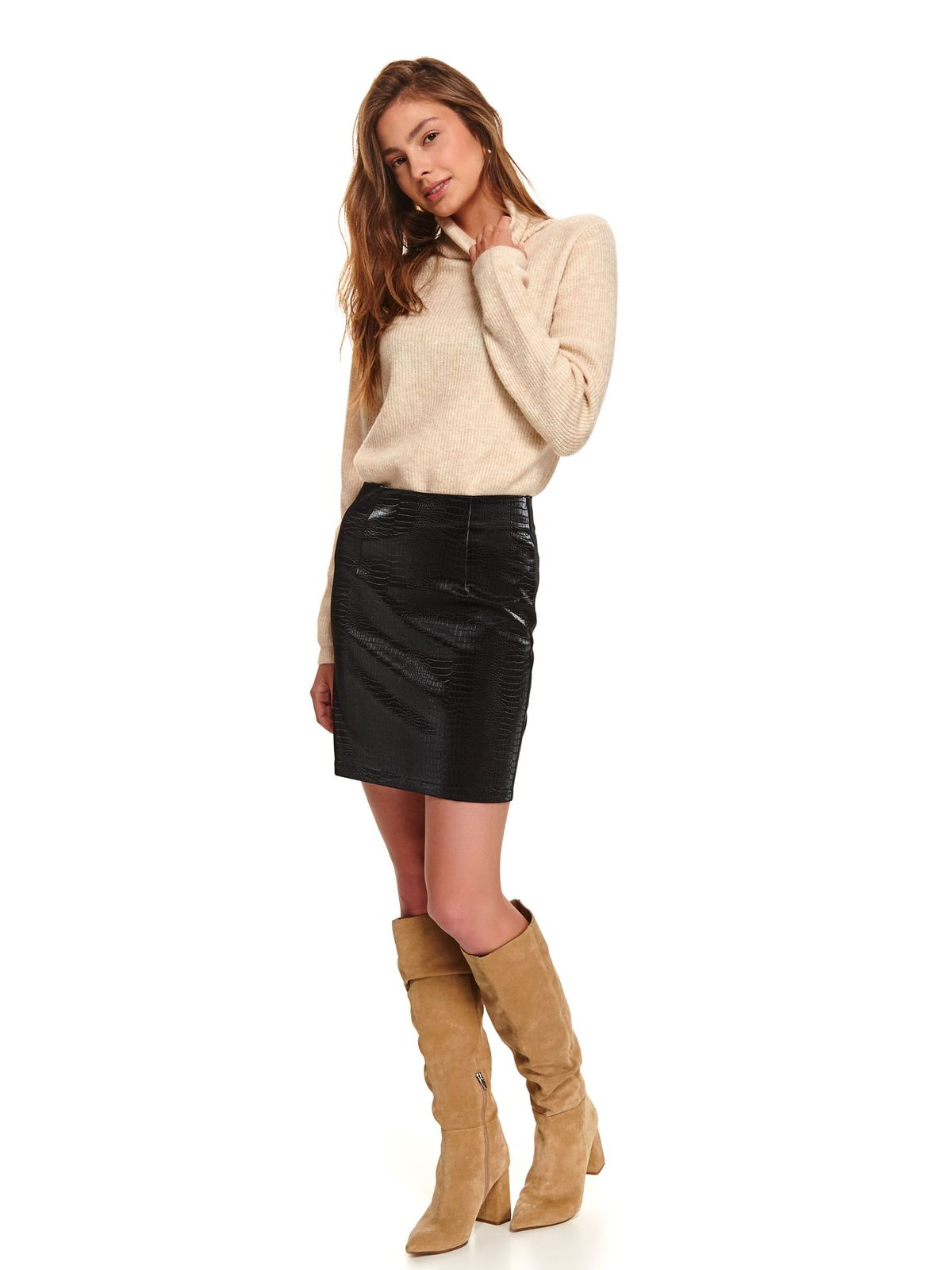 Black skirt pencil with medium waist patterned sole