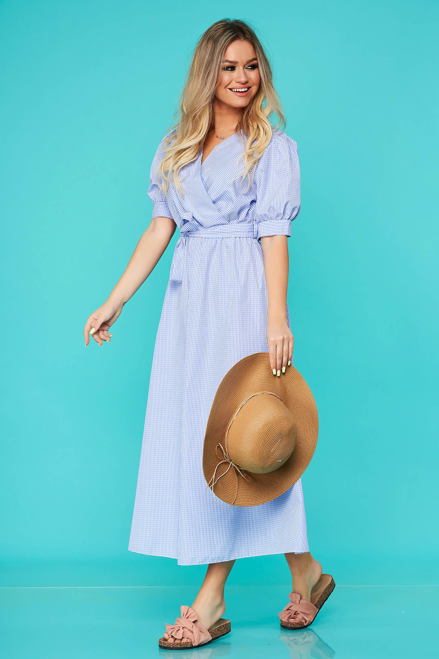 Rochie SunShine albastra de zi clos cu elastic in talie accesorizata cu cordon din bumbac neelastic in carouri