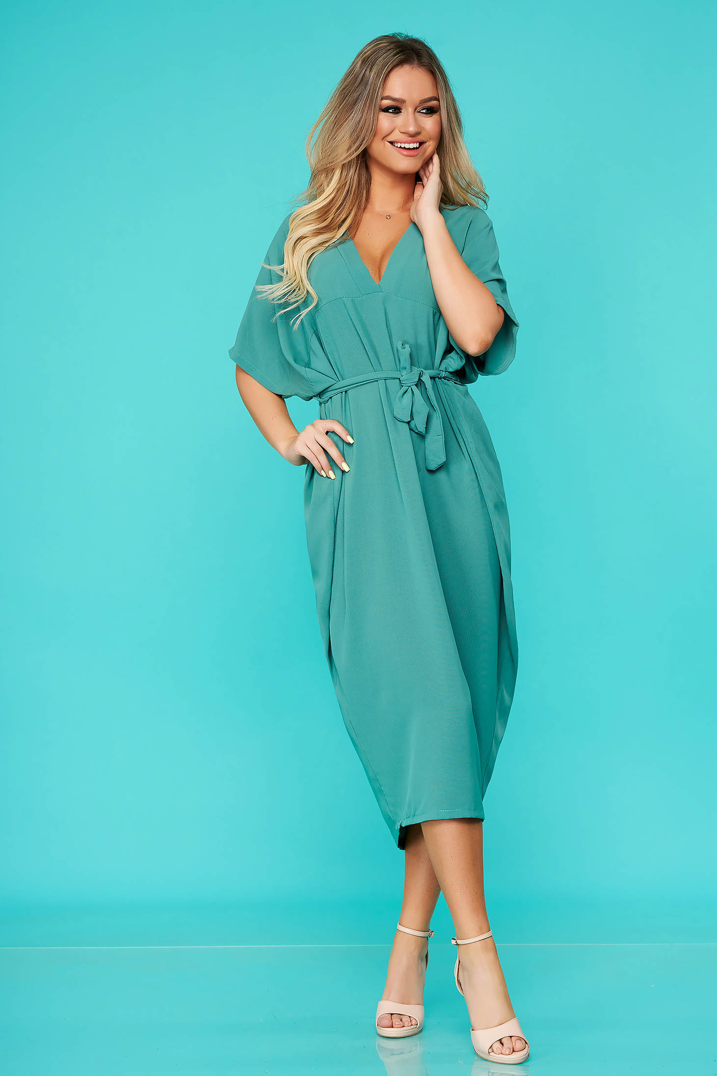 Lightgreen dress daily midi flared with v-neckline accessorized with tied waistband