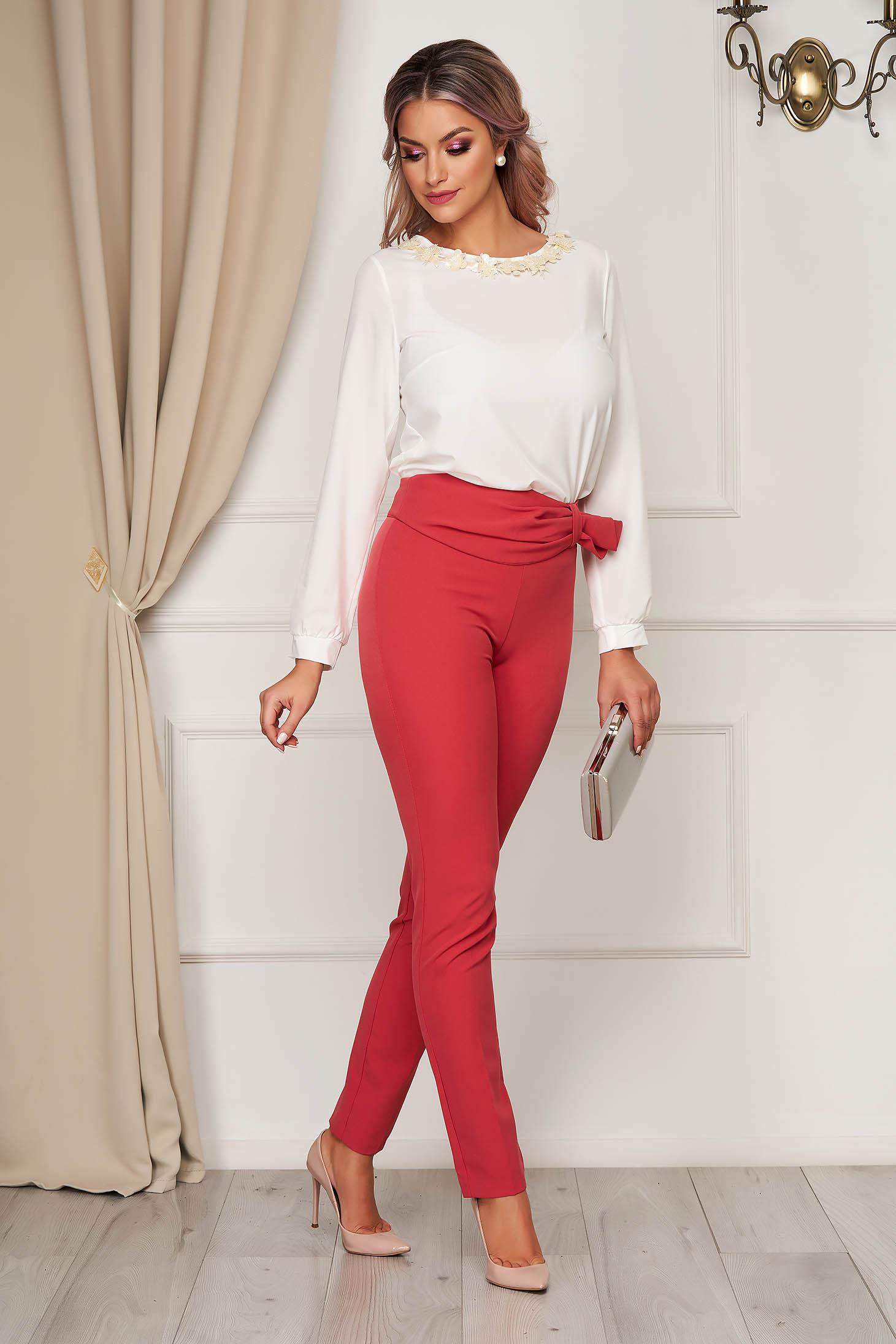 Pantaloni PrettyGirl corai eleganti conici cu un croi mulat cu talie inalta din stofa usor elastica