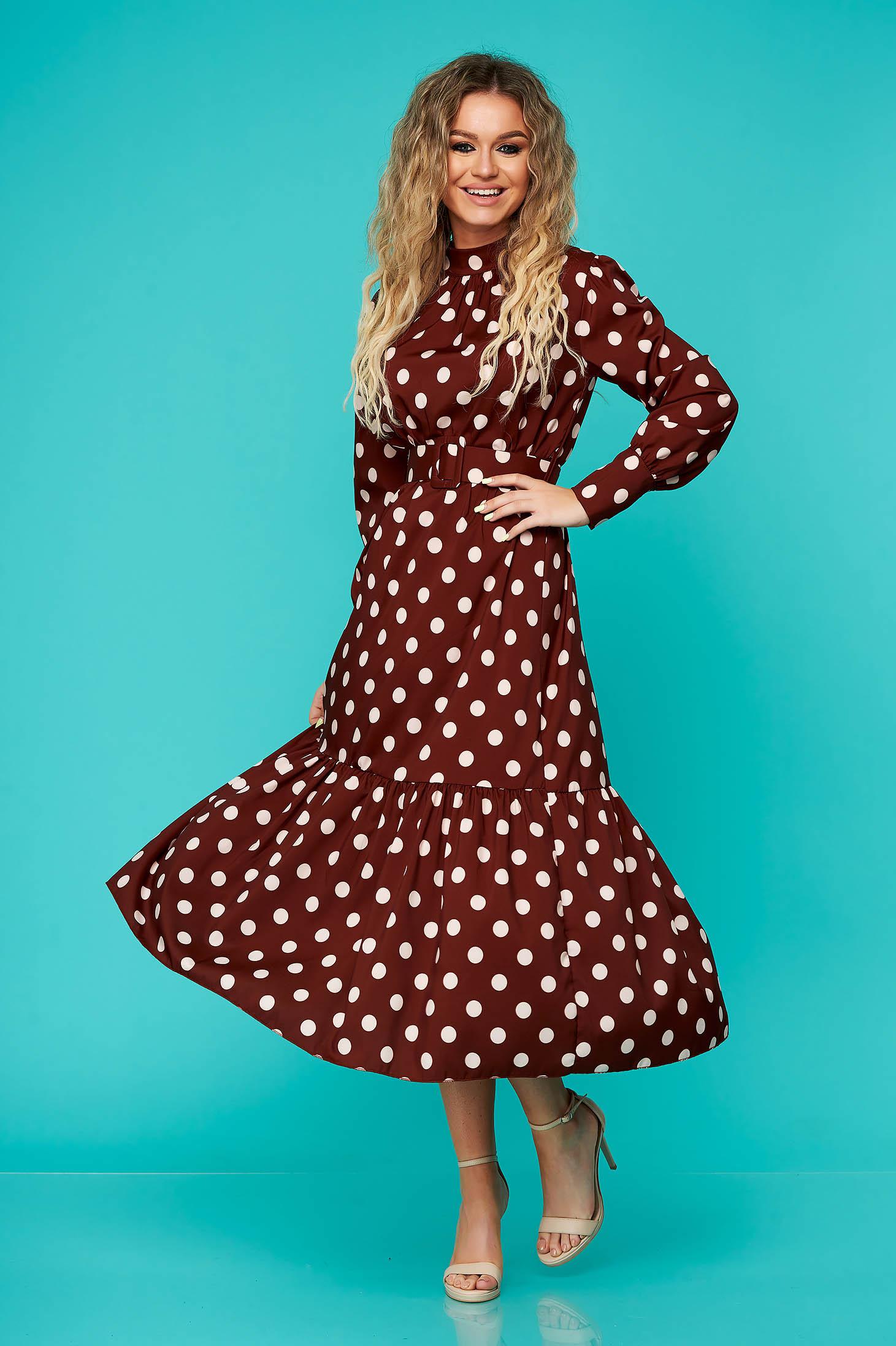 Rochie SunShine maro de zi midi cu elastic in talie cu accesoriu tip curea cu volanase la baza rochiei