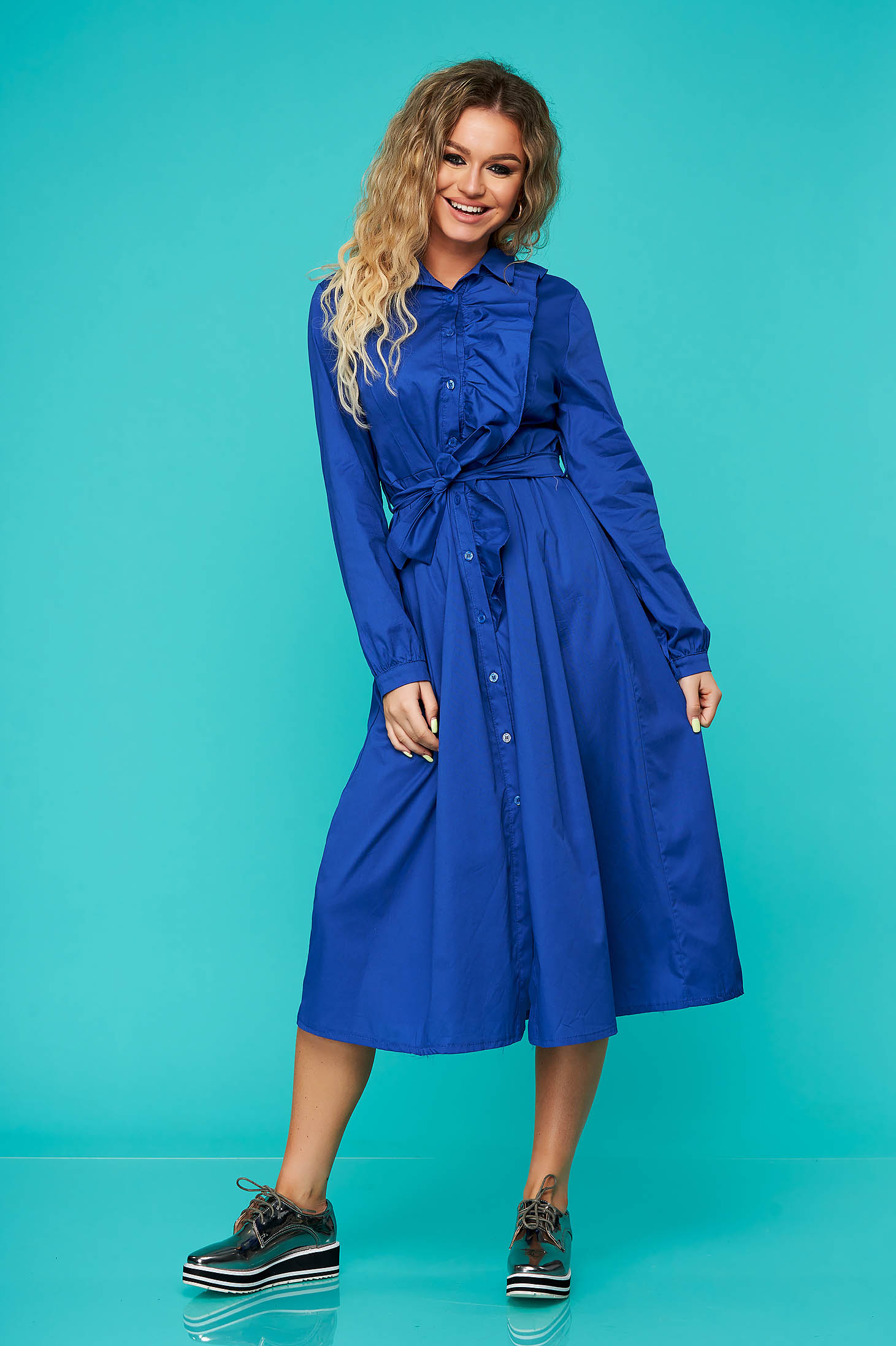 Rochie SunShine albastra de zi in clos cu volanase accesorizata cu cordon din bumbac neelastic