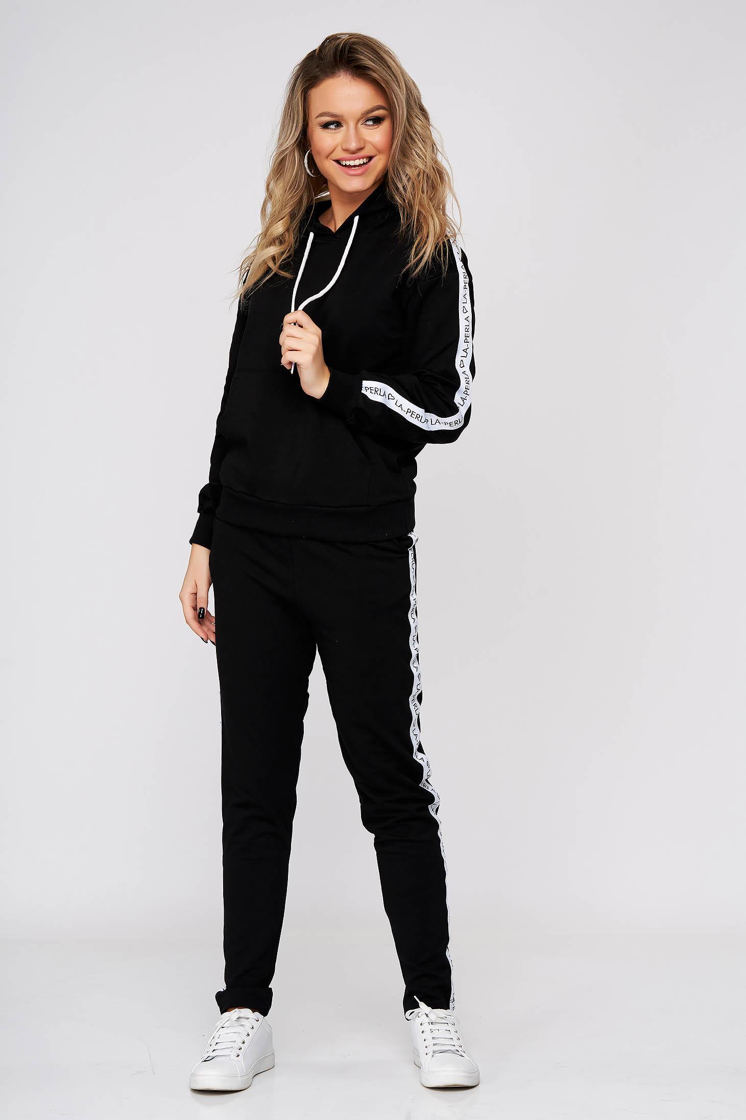 Fekete casual kétrészes nadrágos sportos szettek enyhén elasztikus pamut