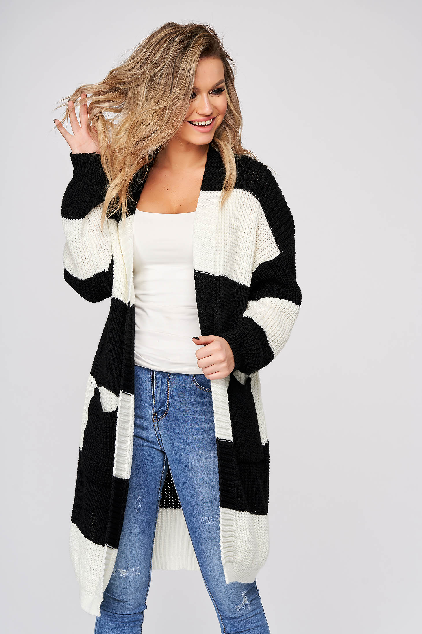 Black cardigan casual long with easy cut knitted fabric
