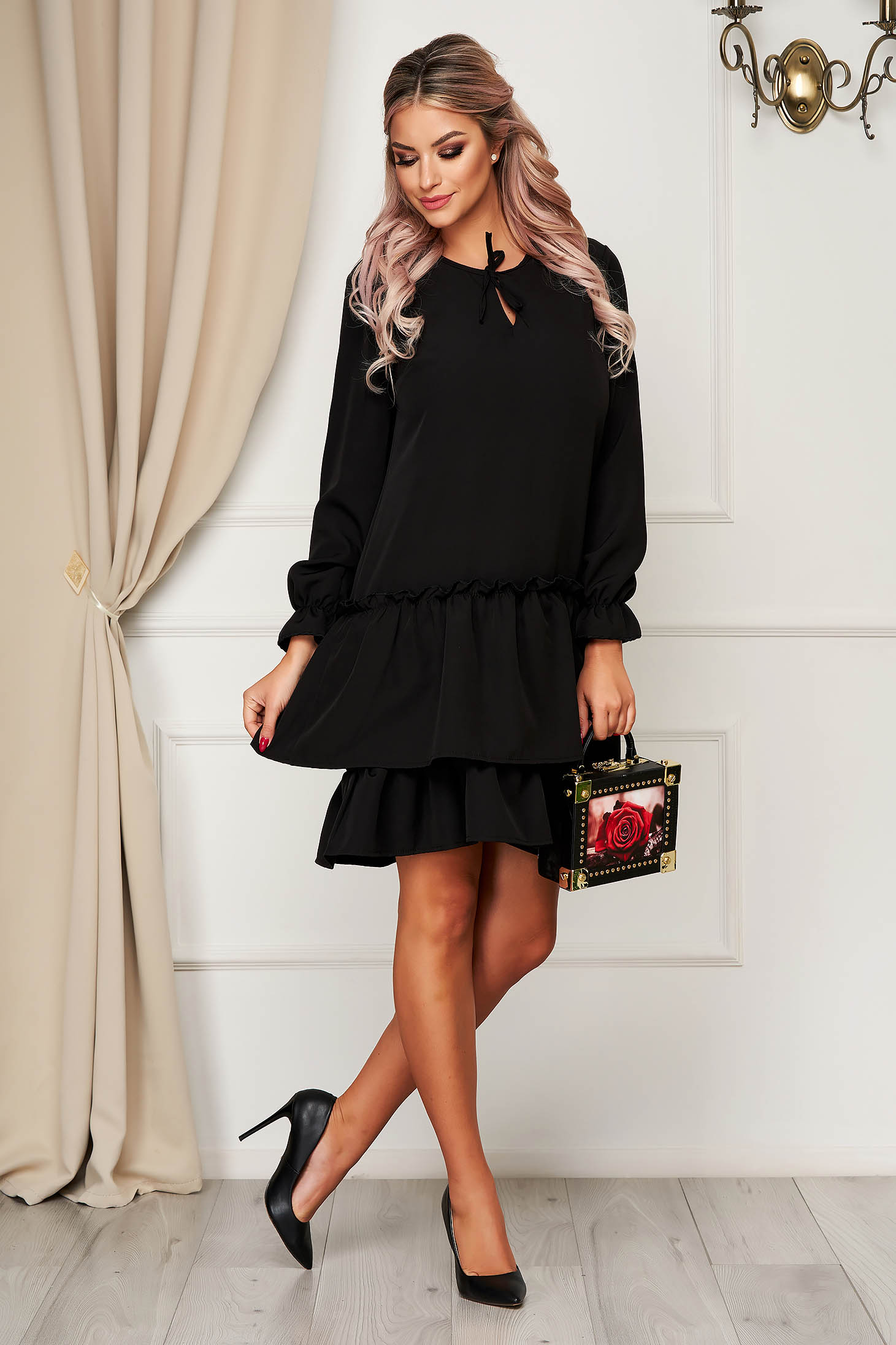 StarShinerS black dress daily flared slightly elastic fabric with ruffles at the buttom of the dress