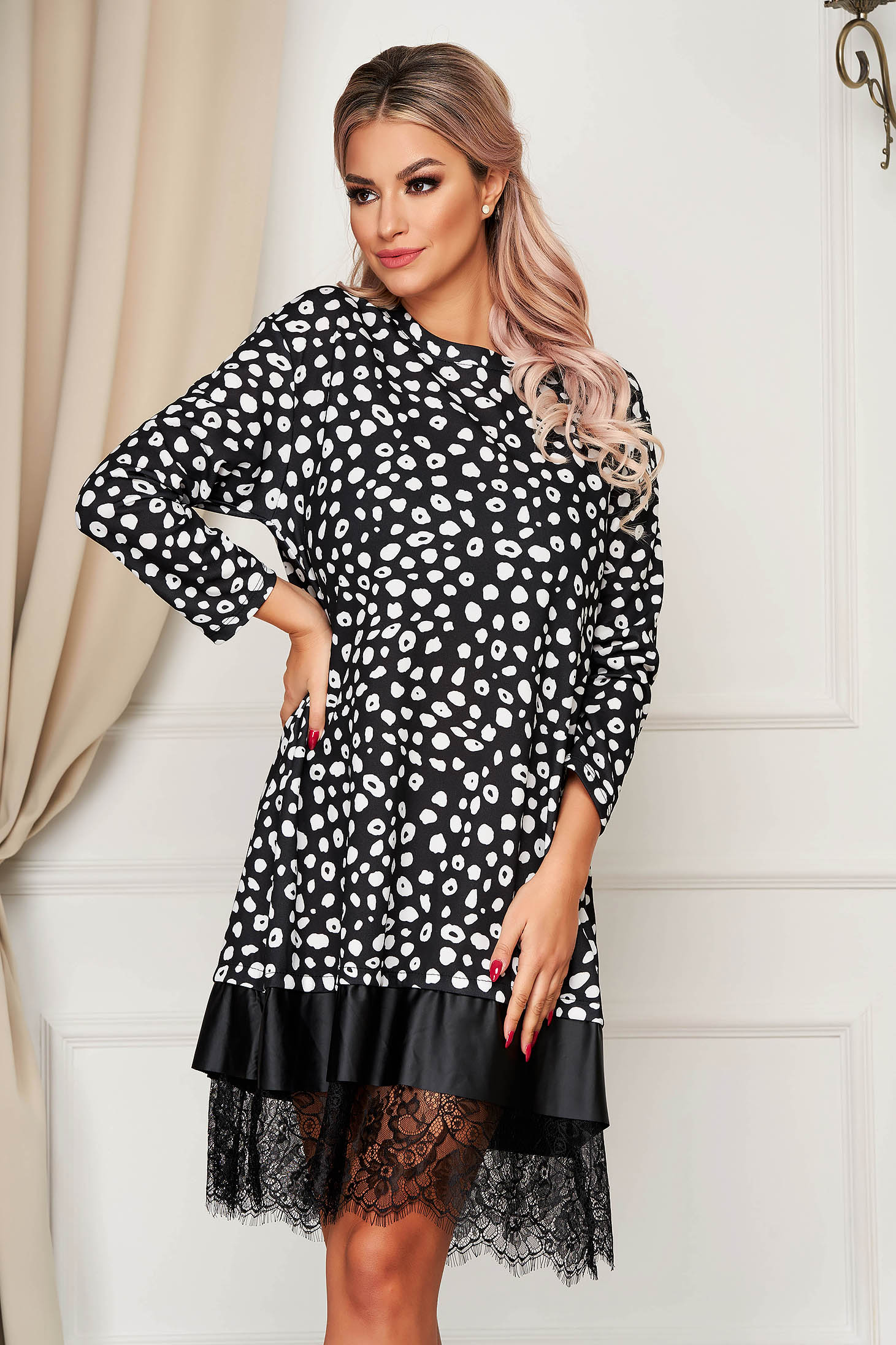 StarShinerS black dress daily midi flared with lace details