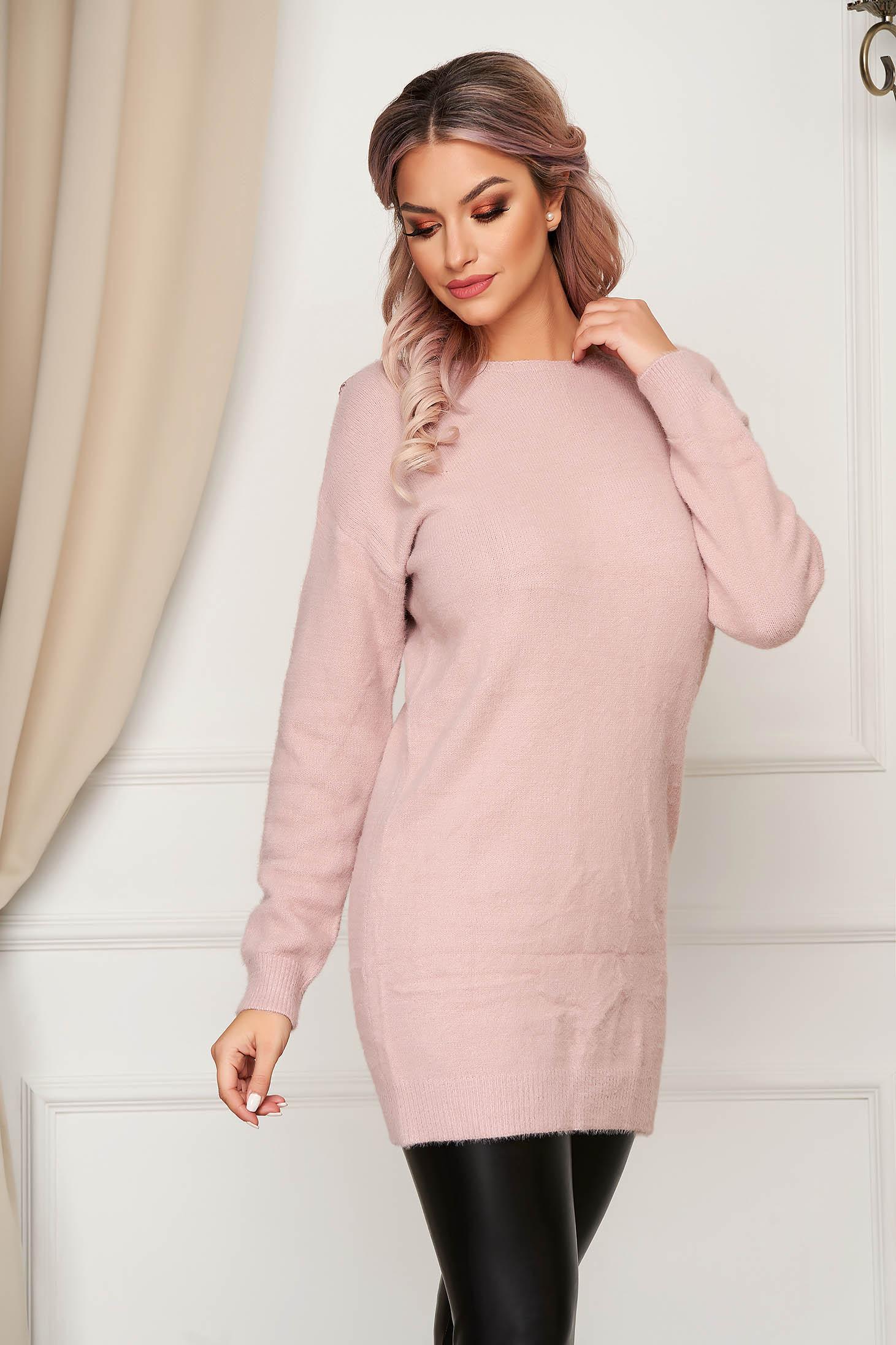 Pulover SunShine roz cu croi larg cu decolteu in v cu aplicatii de dantela din material tricotat