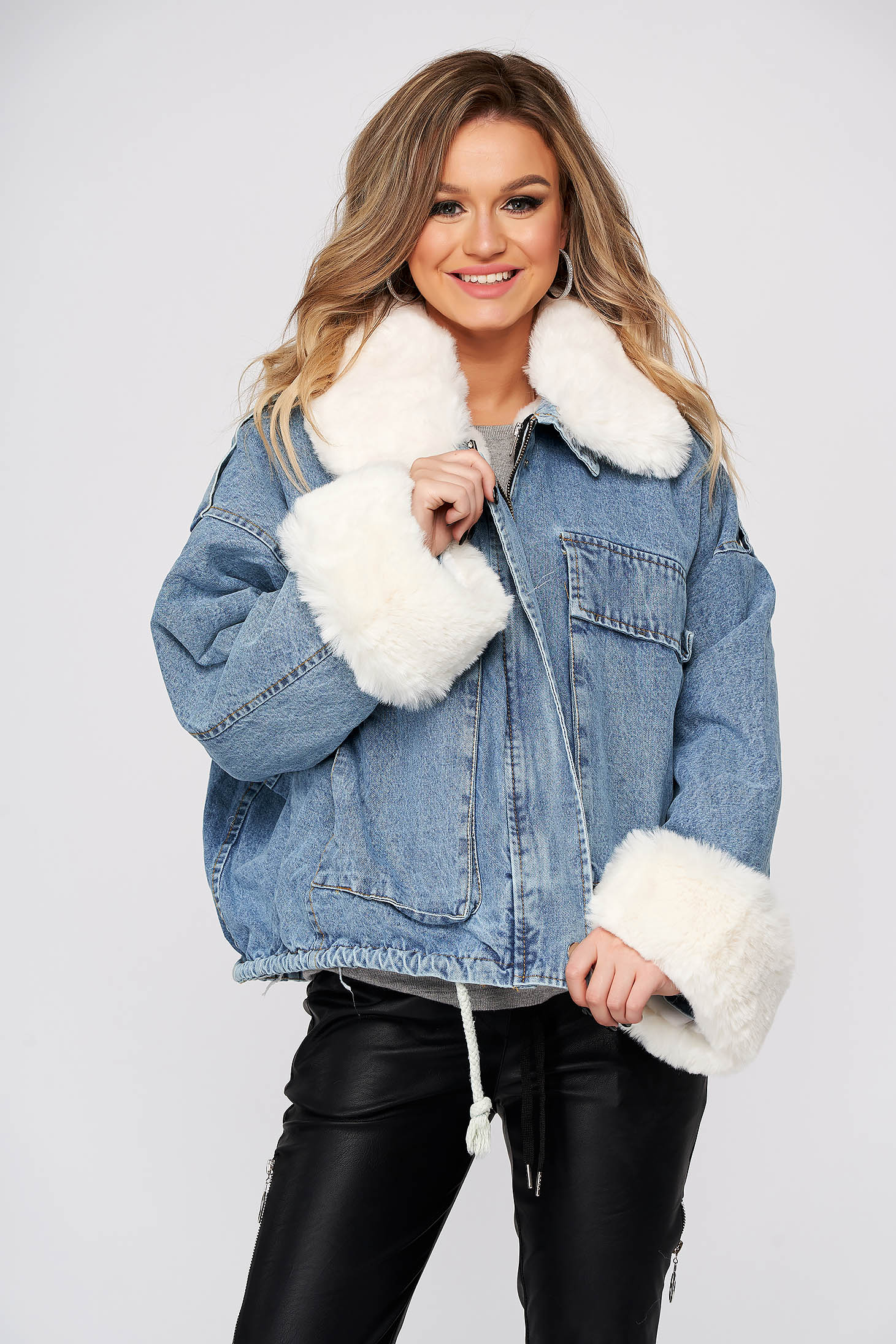 White jacket casual denim with faux fur lining fur collar