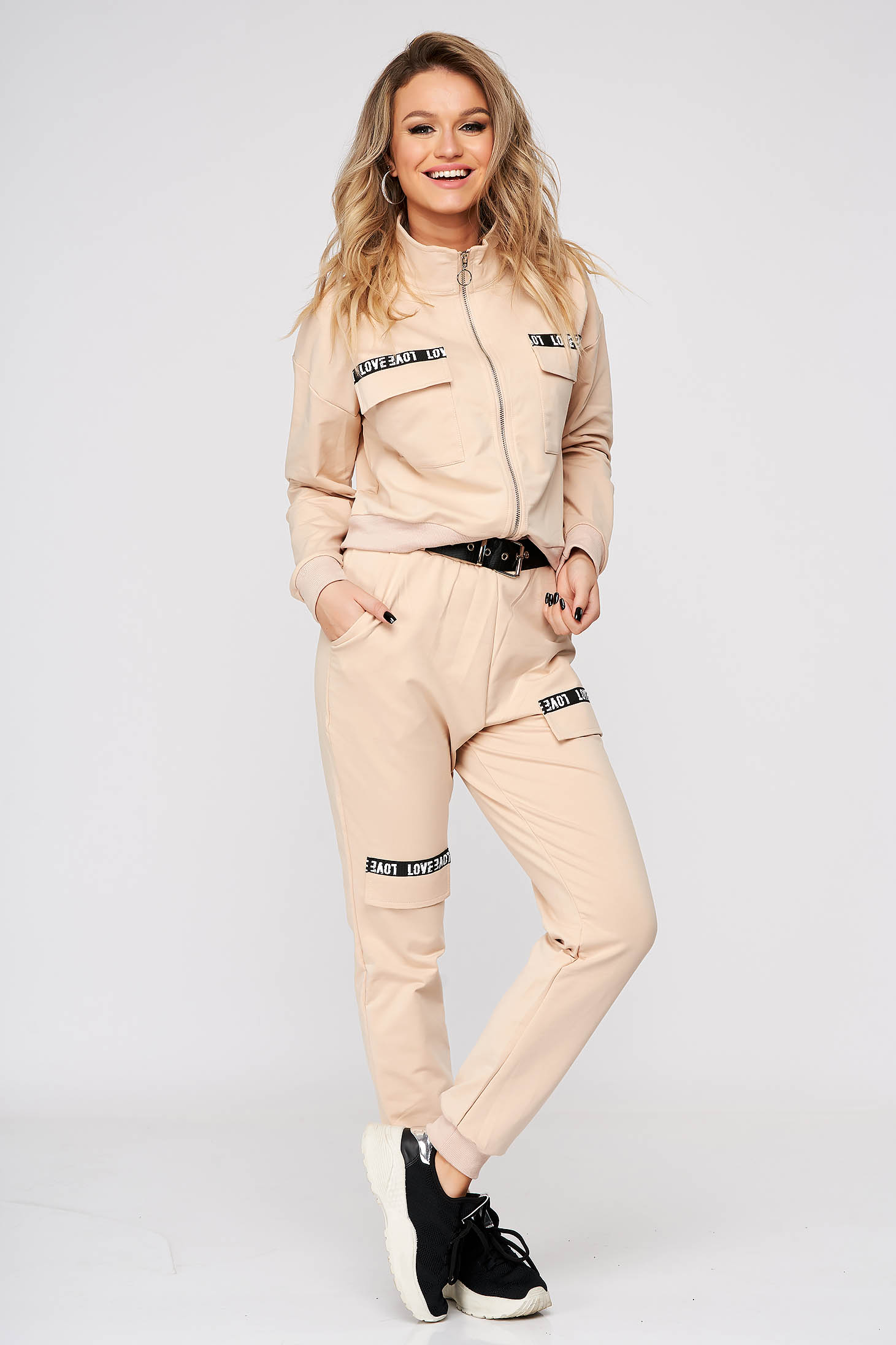 Trening dama SunShine crem casual din doua piese cu pantaloni cu talie medie accesorizati cu cordon