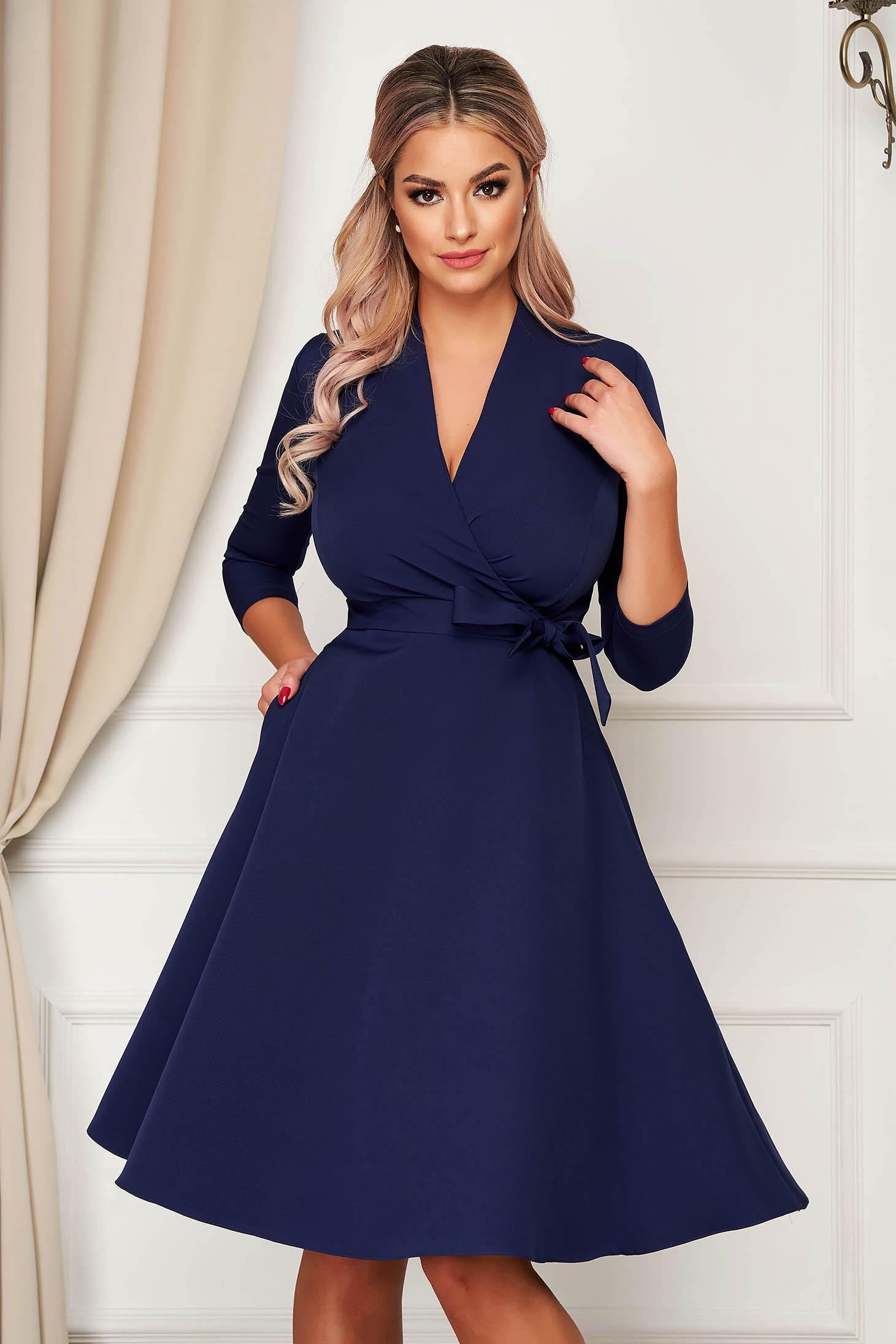 Rochie StarShinerS albastru-inchis eleganta midi in clos din stofa usor elastica cu buzunare