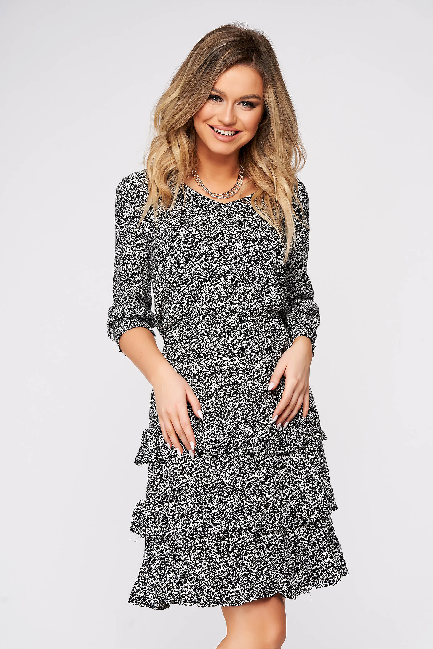 Dress 3/4 sleeve cloche with elastic waist airy fabric with floral print