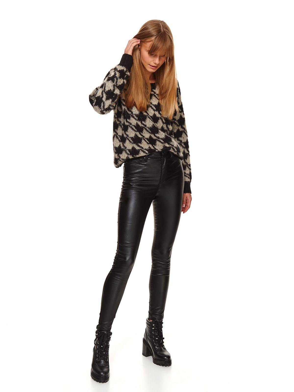 Black sweater casual with easy cut knitted fabric